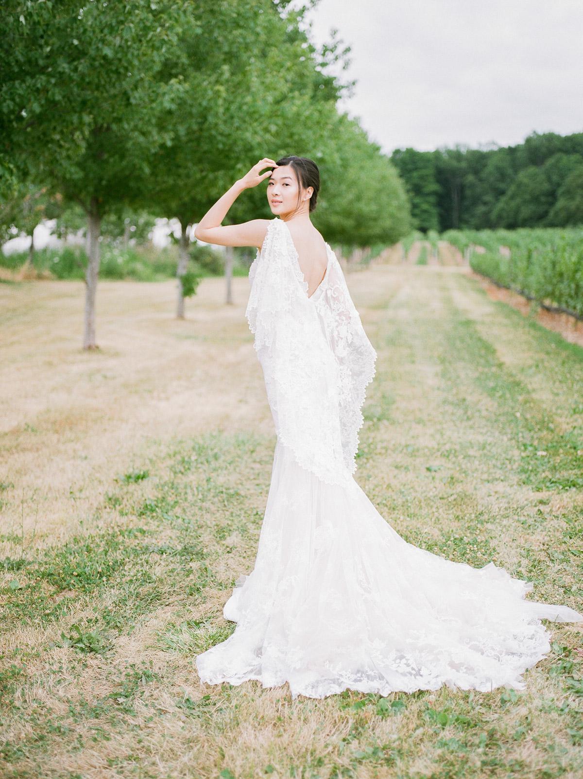 jennifer-xu-photography-vineyard-bride-swish-list-rosewod-eatstes-winery-beamsville-wedding-editorial-11.jpg