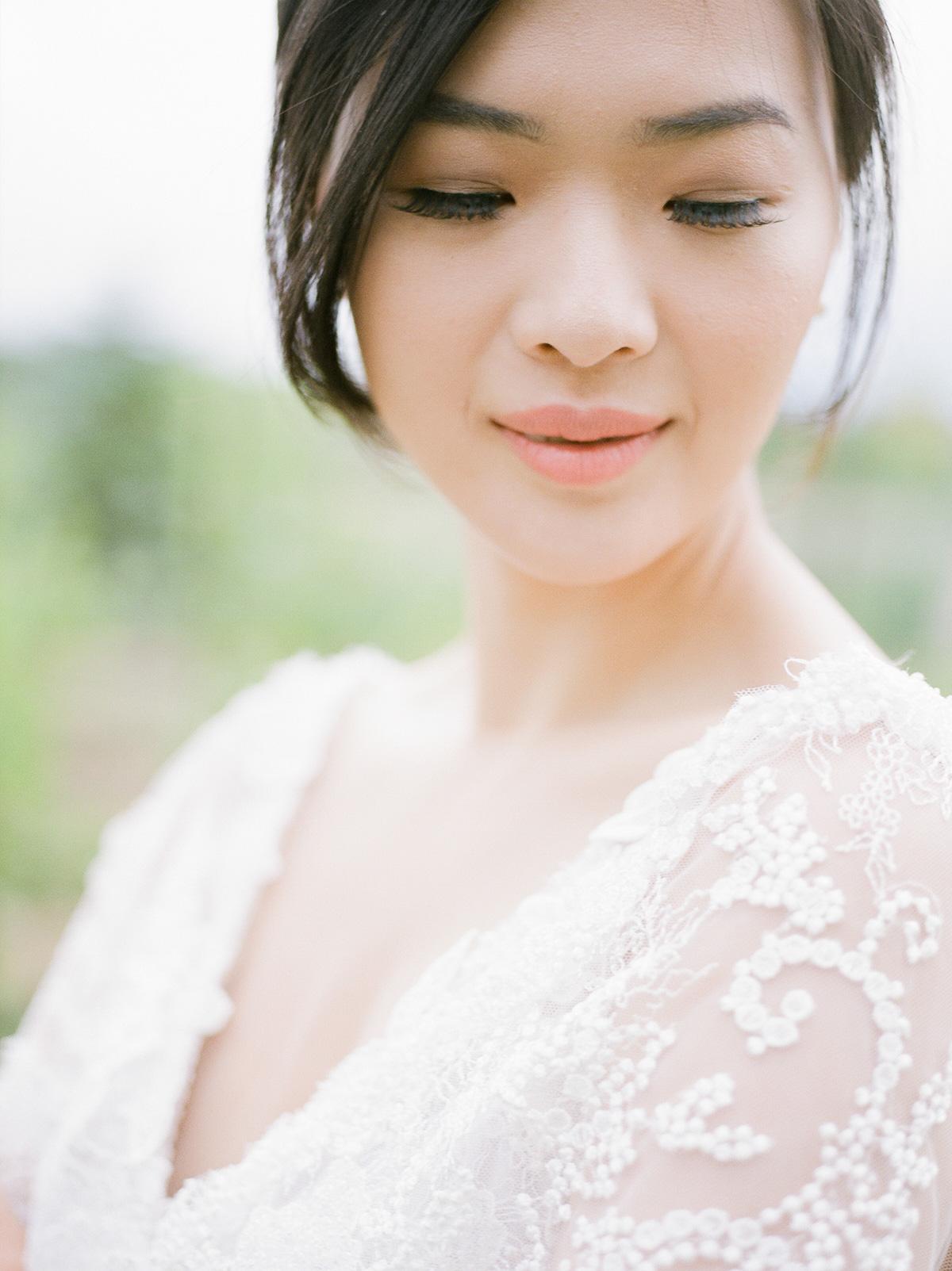 jennifer-xu-photography-vineyard-bride-swish-list-rosewod-eatstes-winery-beamsville-wedding-editorial-14.jpg