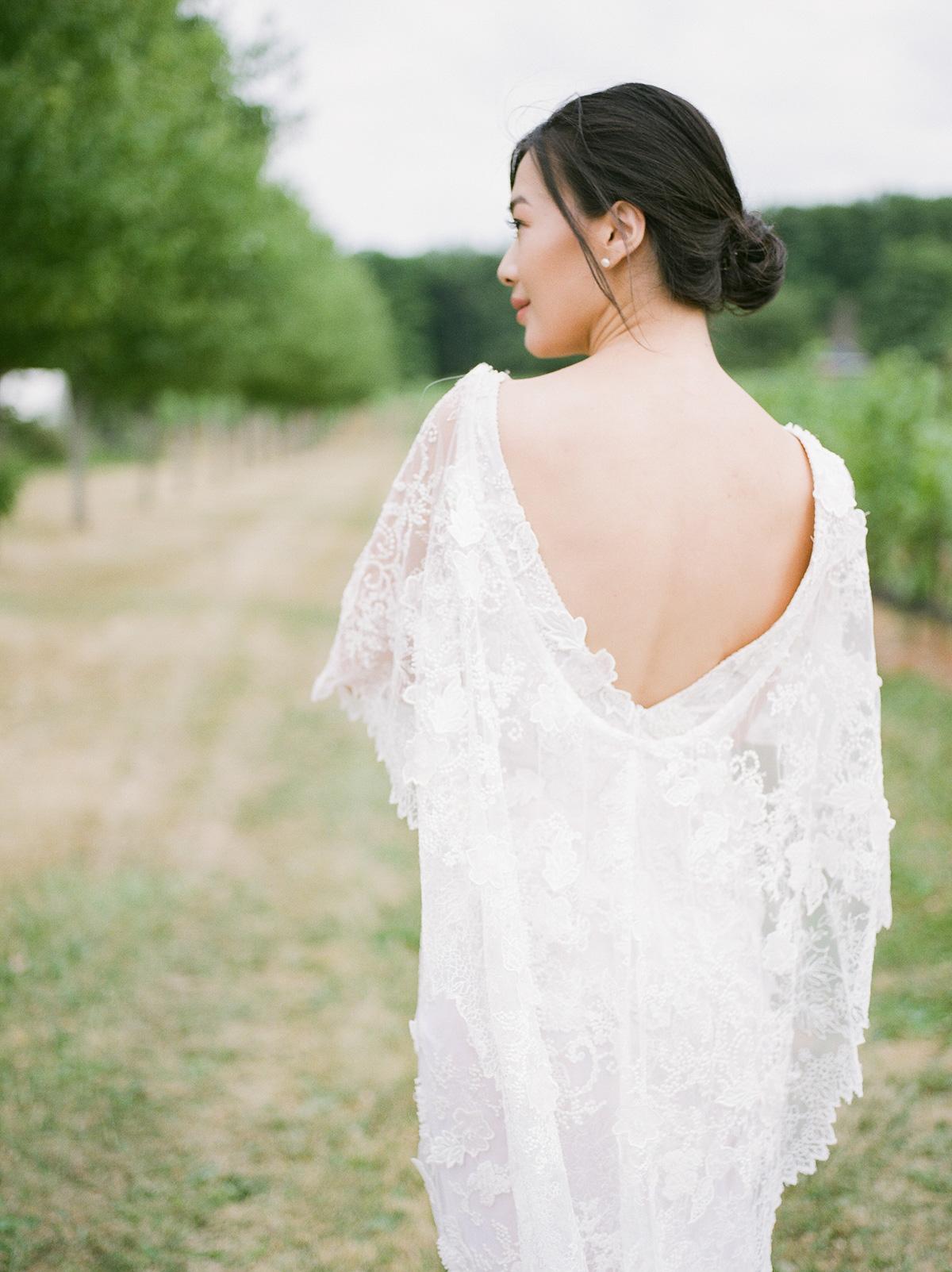 jennifer-xu-photography-vineyard-bride-swish-list-rosewod-eatstes-winery-beamsville-wedding-editorial-13.jpg