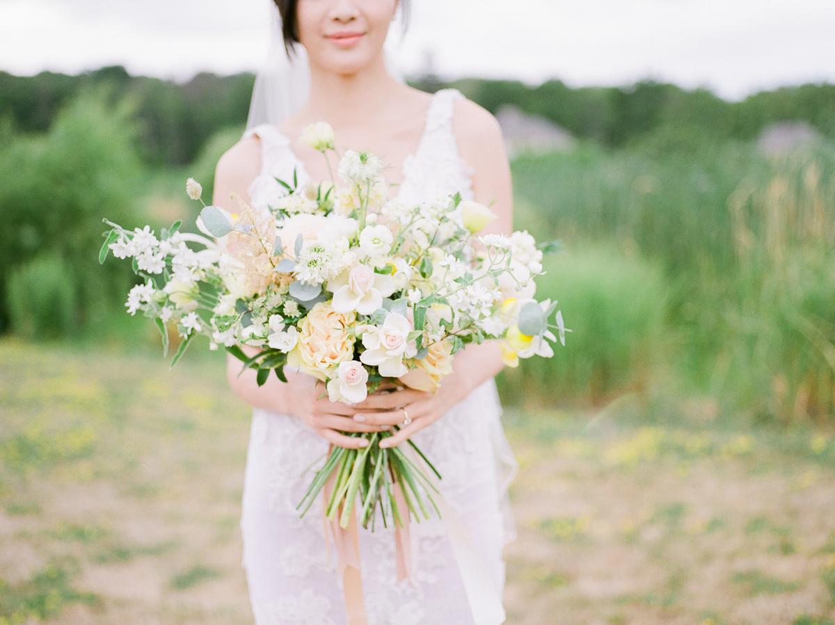 jennifer-xu-photography-vineyard-bride-swish-list-rosewod-eatstes-winery-beamsville-wedding-editorial-25.jpg