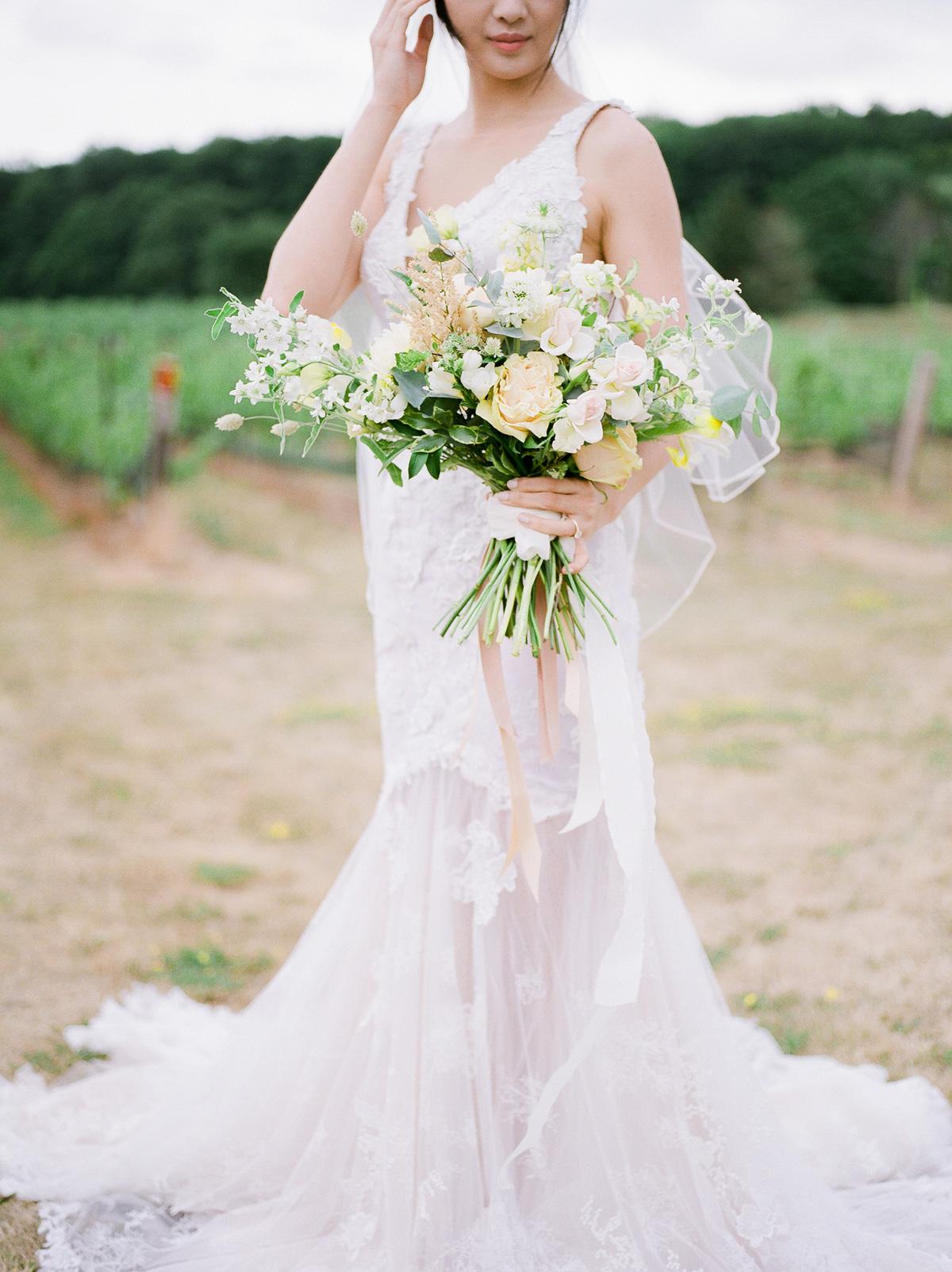 jennifer-xu-photography-vineyard-bride-swish-list-rosewod-eatstes-winery-beamsville-wedding-editorial-34.jpg
