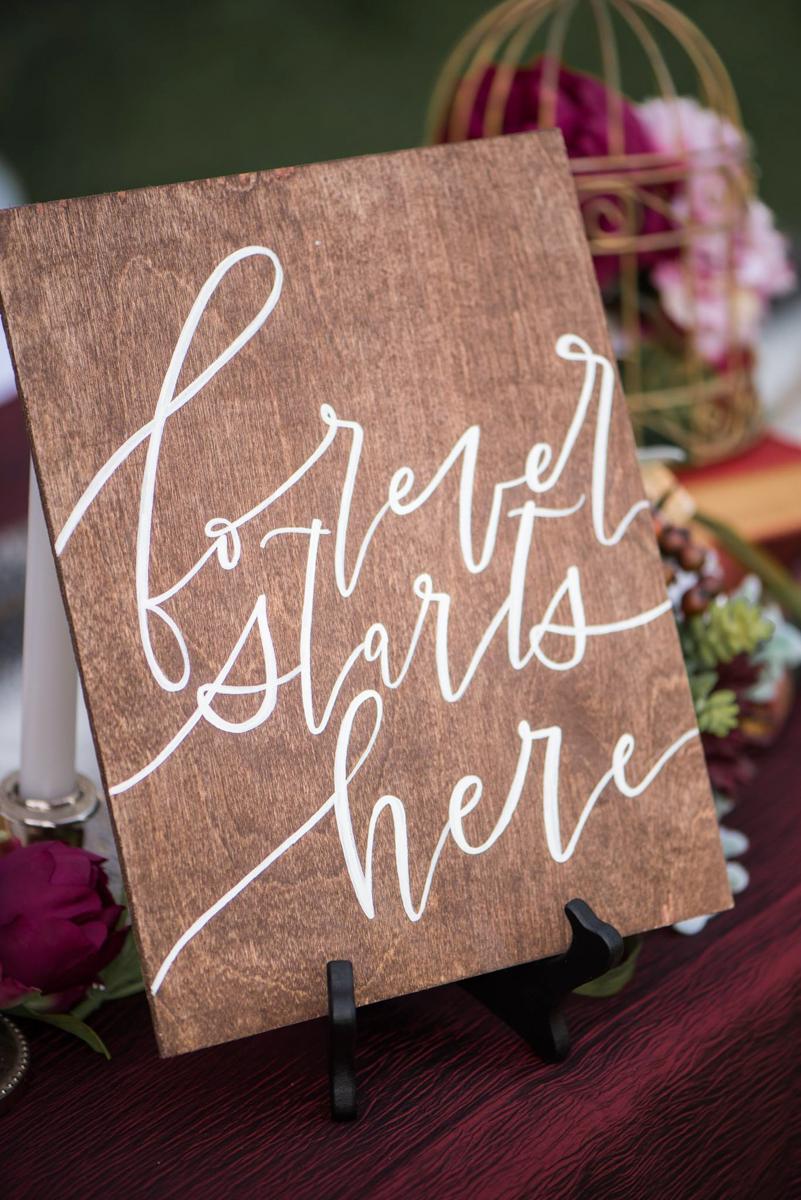 vineyard-bride-niagara-wedding-vendors-the-first-look-wedding-show-alicia-spence-brush-calligraphy002.jpg