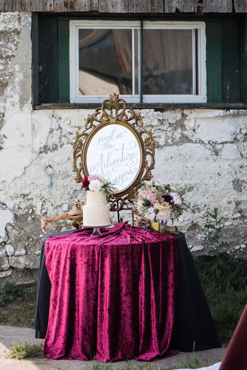 vineyard-bride-niagara-wedding-vendors-the-first-look-wedding-show-alicia-spence-brush-calligraphy003.jpg