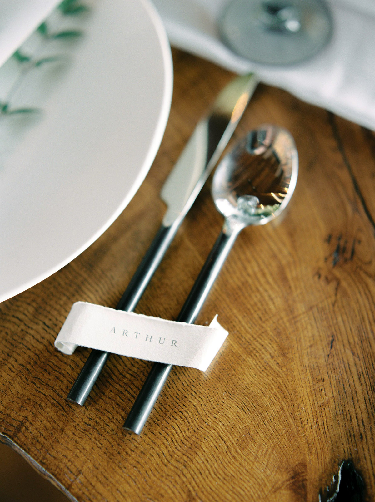 will-reid-photo-vineyard-bride-swish-list-kurtz-orchards-market-niagara-on-the-lake-wedding-editorial-2.jpg