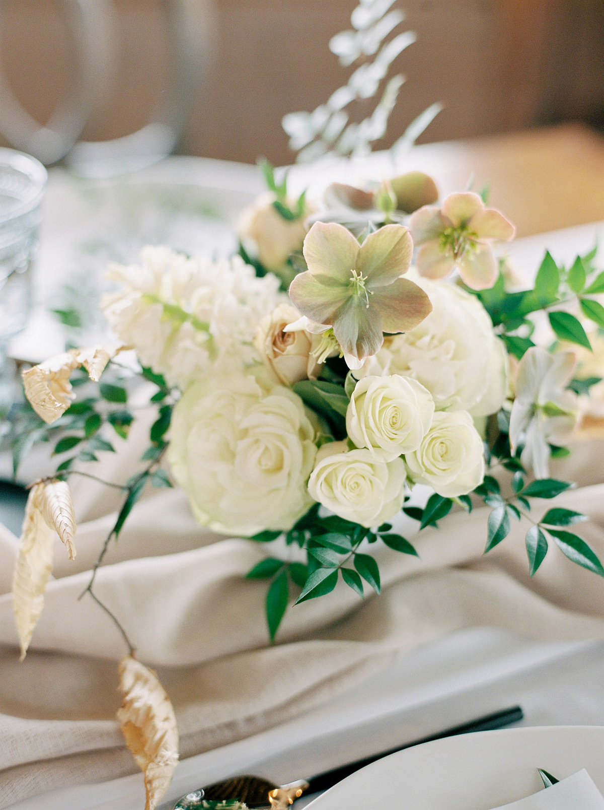 will-reid-photo-vineyard-bride-swish-list-kurtz-orchards-market-niagara-on-the-lake-wedding-editorial-4.jpg