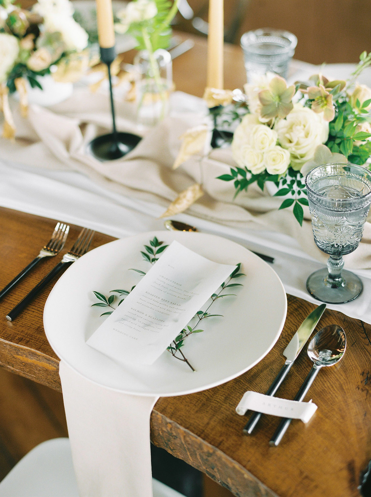 will-reid-photo-vineyard-bride-swish-list-kurtz-orchards-market-niagara-on-the-lake-wedding-editorial-5.jpg