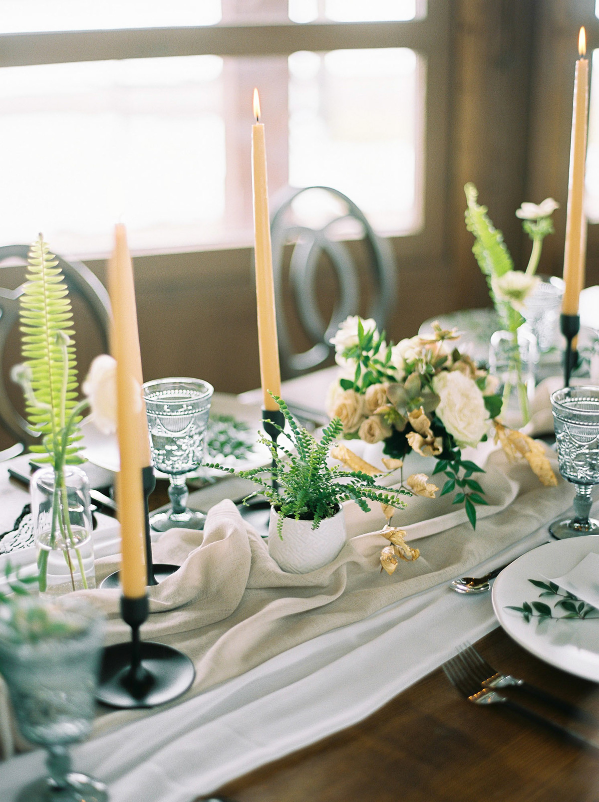 will-reid-photo-vineyard-bride-swish-list-kurtz-orchards-market-niagara-on-the-lake-wedding-editorial-6.jpg