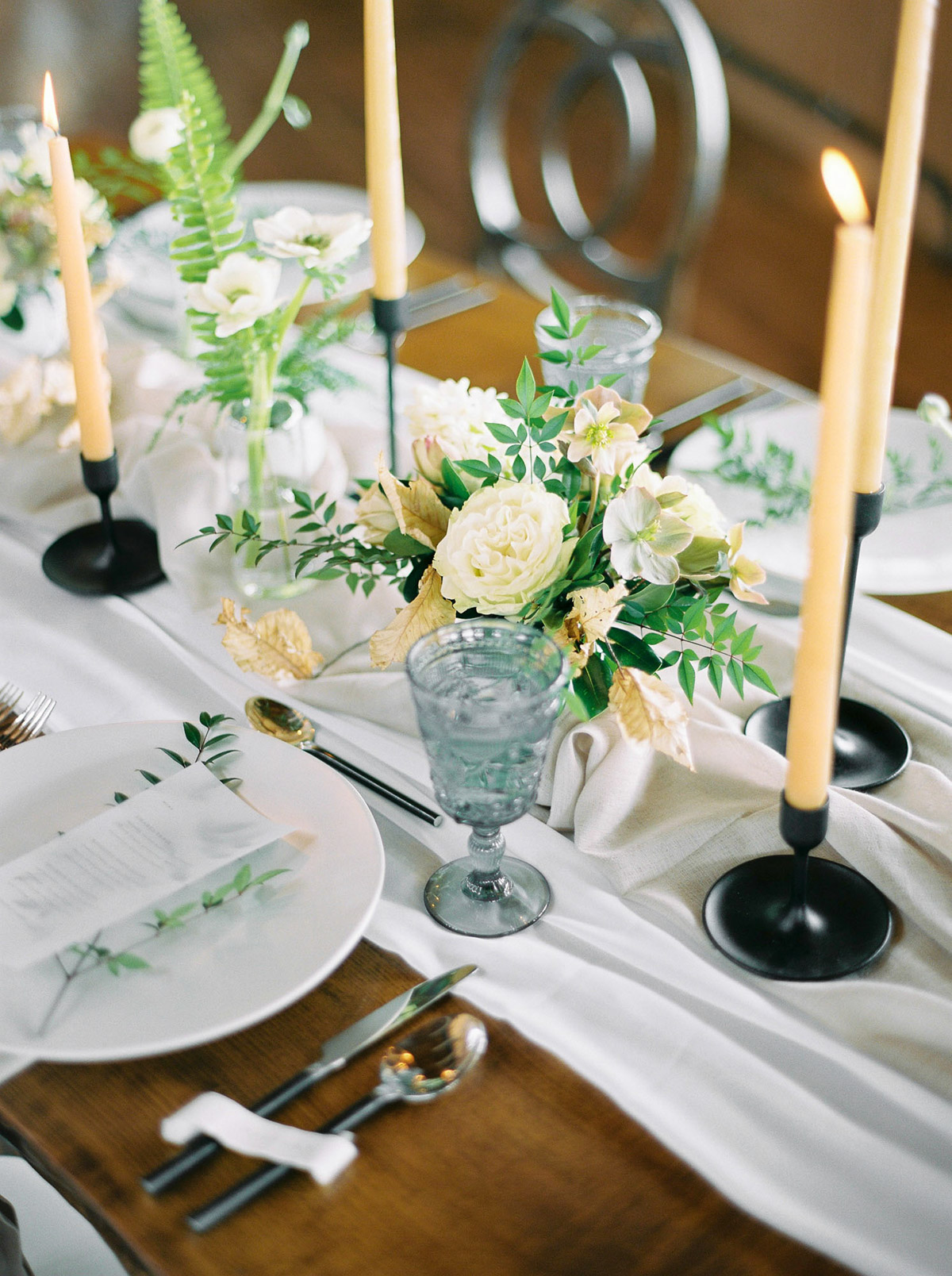 will-reid-photo-vineyard-bride-swish-list-kurtz-orchards-market-niagara-on-the-lake-wedding-editorial-7.jpg