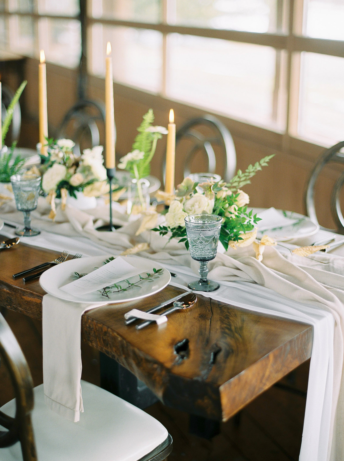 will-reid-photo-vineyard-bride-swish-list-kurtz-orchards-market-niagara-on-the-lake-wedding-editorial-8.jpg