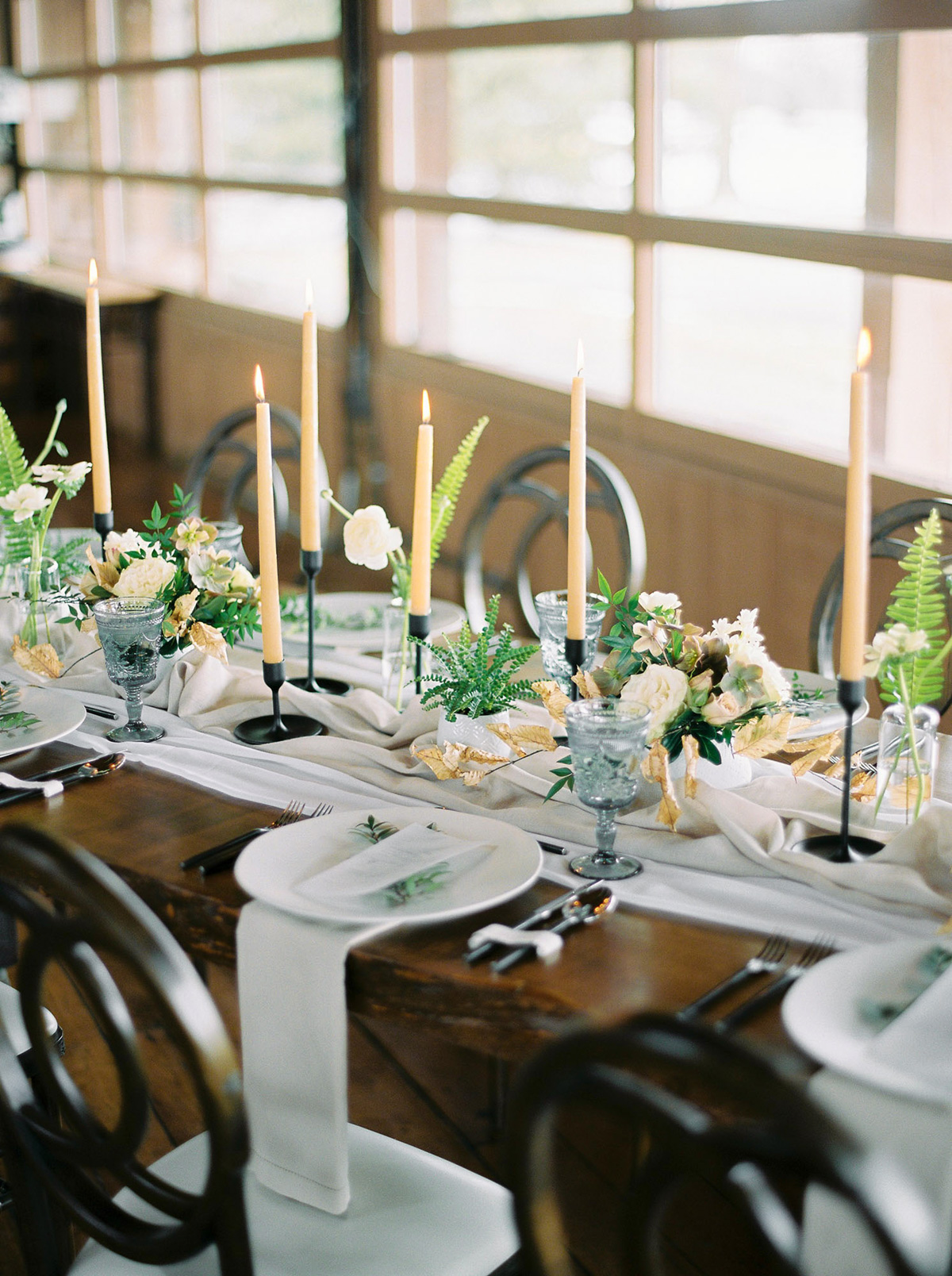 will-reid-photo-vineyard-bride-swish-list-kurtz-orchards-market-niagara-on-the-lake-wedding-editorial-10.jpg