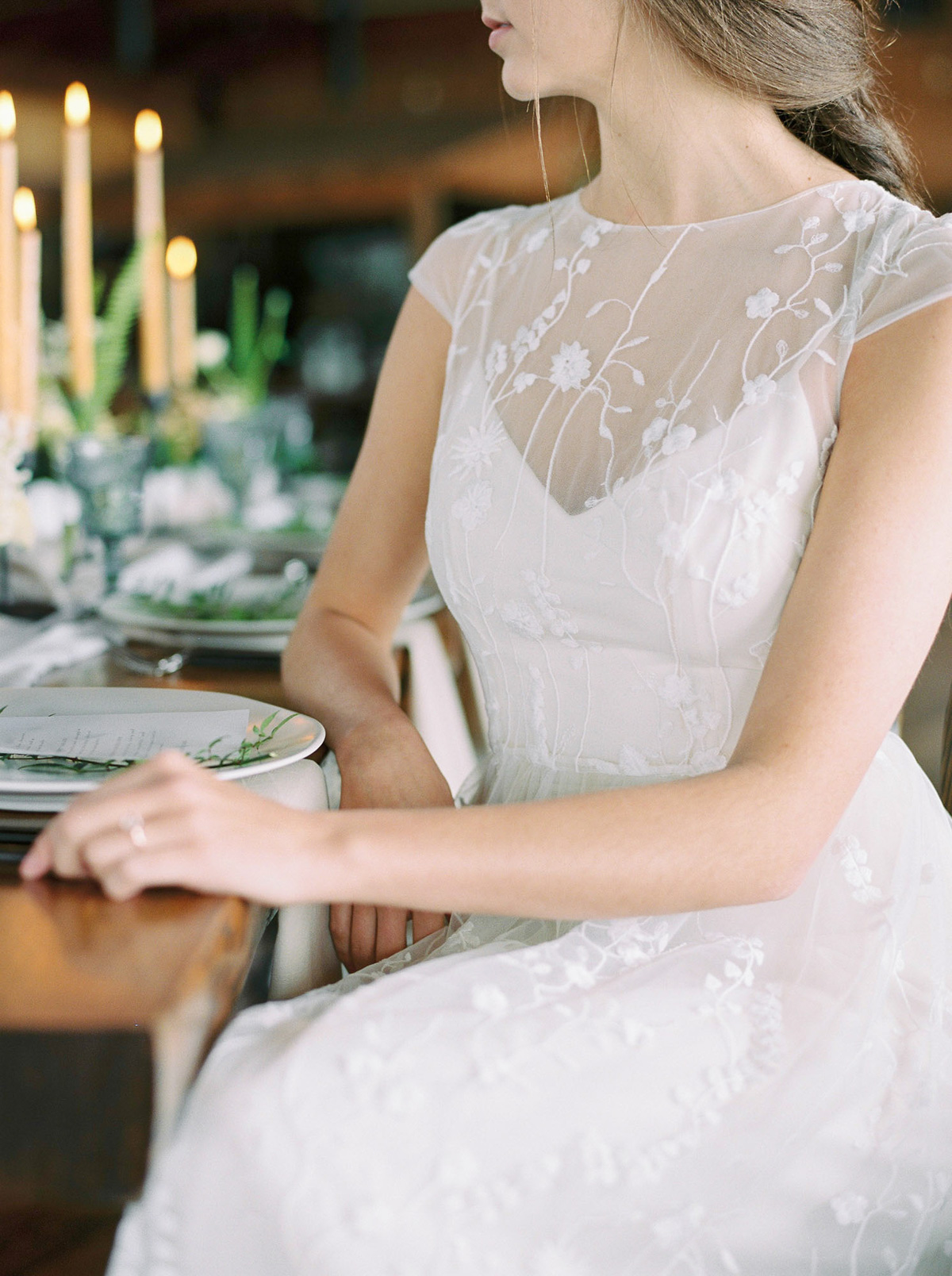will-reid-photo-vineyard-bride-swish-list-kurtz-orchards-market-niagara-on-the-lake-wedding-editorial-15.jpg