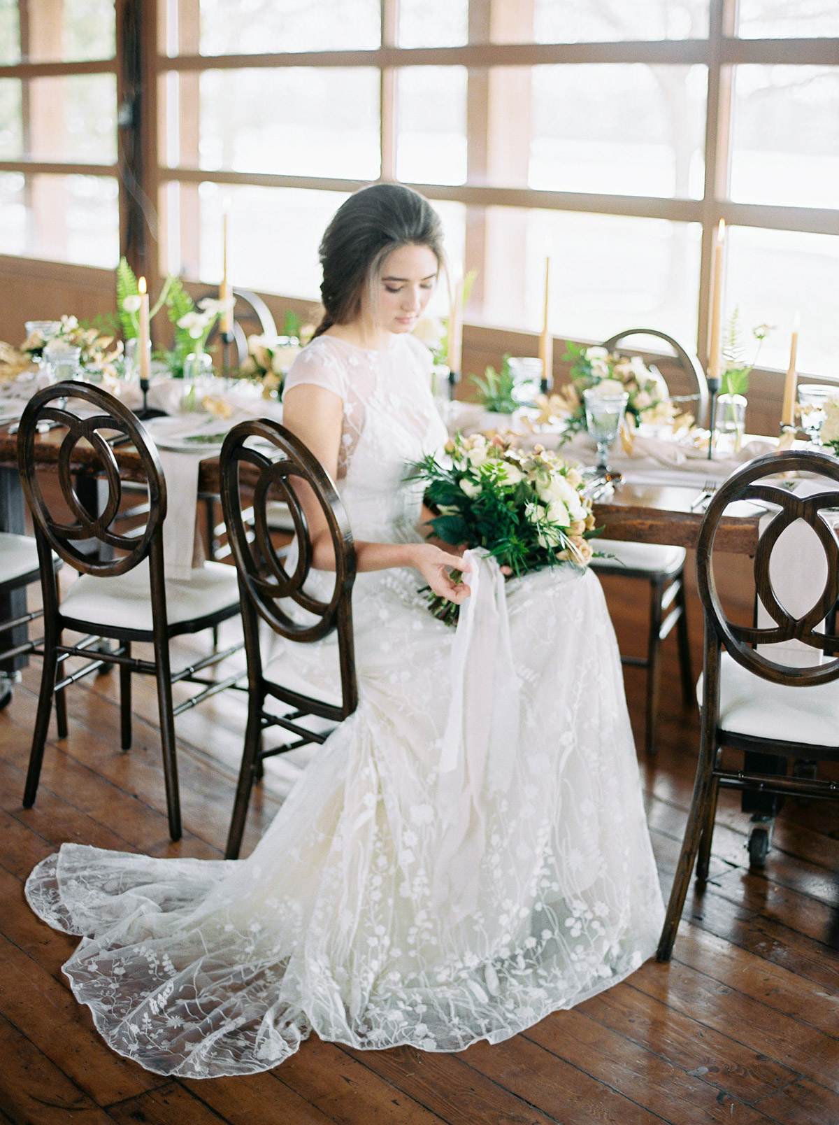 will-reid-photo-vineyard-bride-swish-list-kurtz-orchards-market-niagara-on-the-lake-wedding-editorial-20.jpg