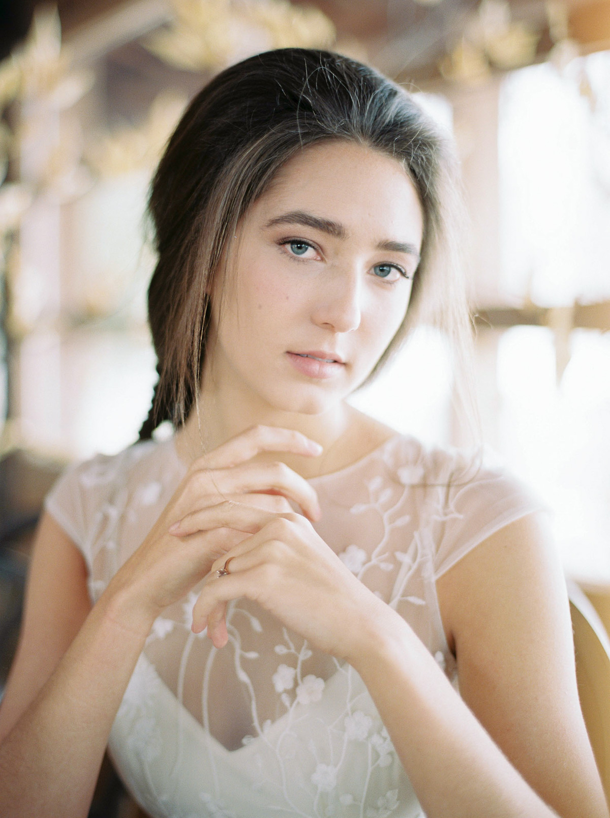 will-reid-photo-vineyard-bride-swish-list-kurtz-orchards-market-niagara-on-the-lake-wedding-editorial-21.jpg