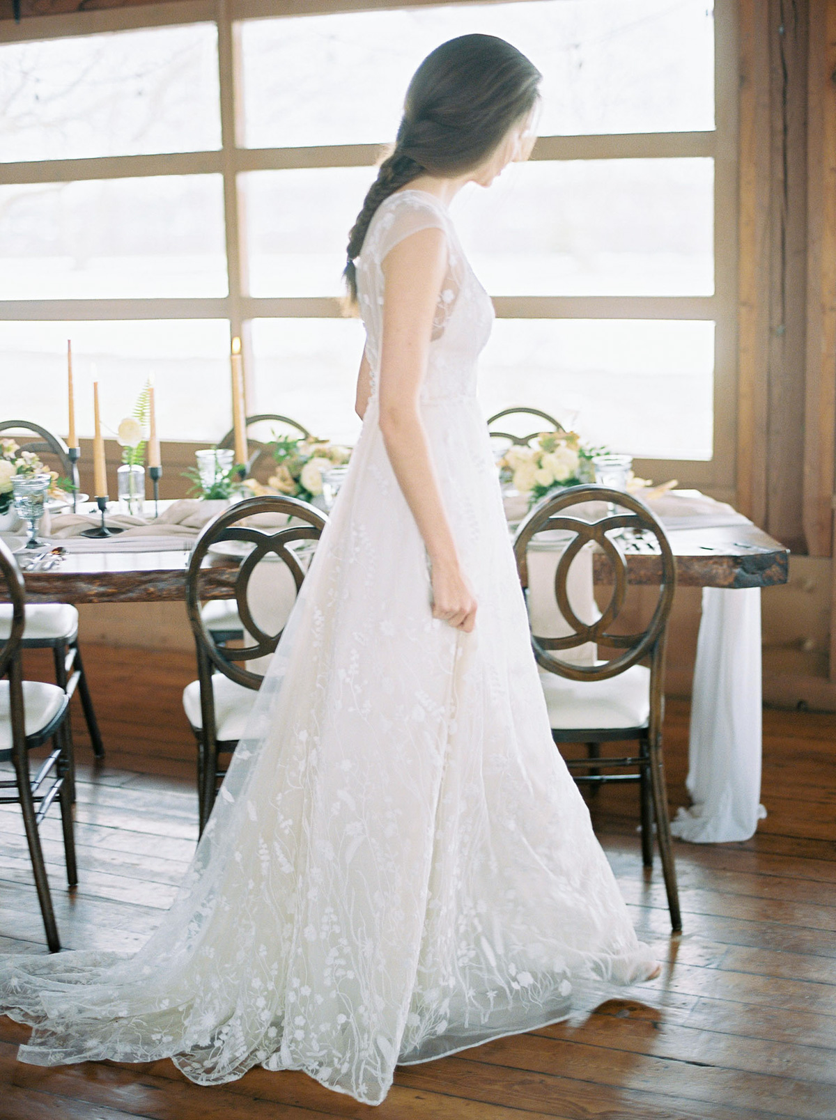 will-reid-photo-vineyard-bride-swish-list-kurtz-orchards-market-niagara-on-the-lake-wedding-editorial-28.jpg