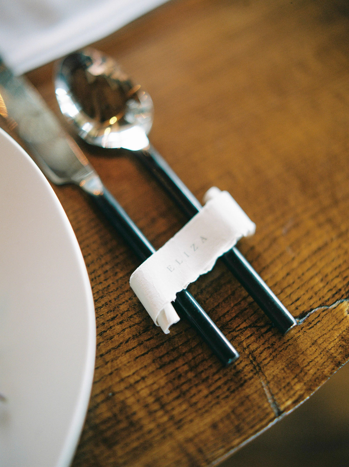 will-reid-photo-vineyard-bride-swish-list-kurtz-orchards-market-niagara-on-the-lake-wedding-editorial-29.jpg