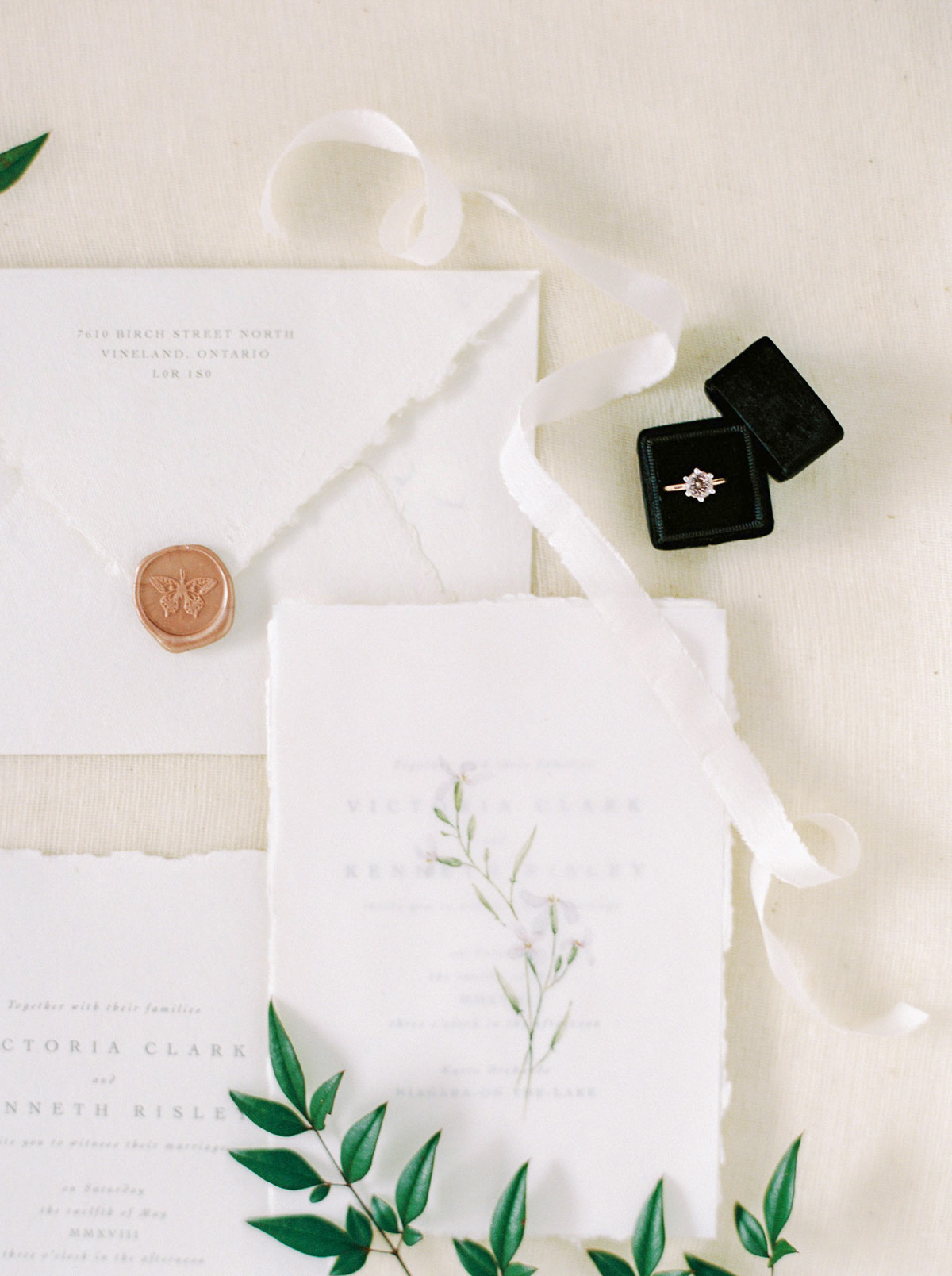 will-reid-photo-vineyard-bride-swish-list-kurtz-orchards-market-niagara-on-the-lake-wedding-editorial-31.jpg