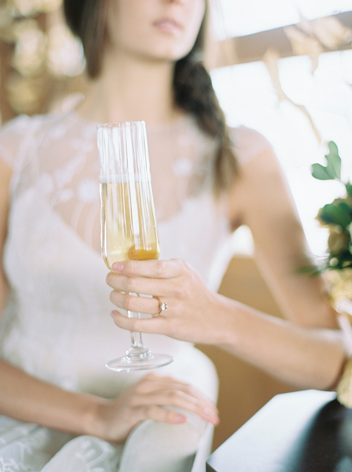 will-reid-photo-vineyard-bride-swish-list-kurtz-orchards-market-niagara-on-the-lake-wedding-editorial-36.jpg