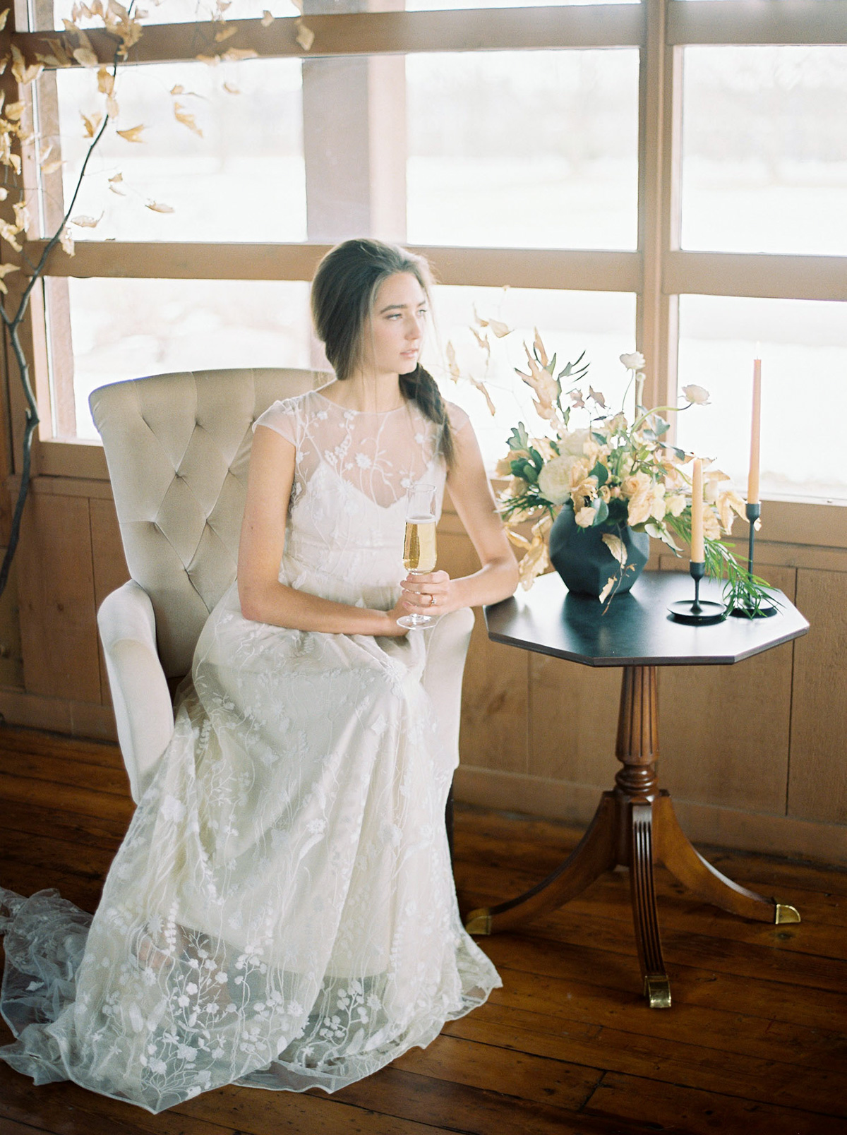 will-reid-photo-vineyard-bride-swish-list-kurtz-orchards-market-niagara-on-the-lake-wedding-editorial-37.jpg