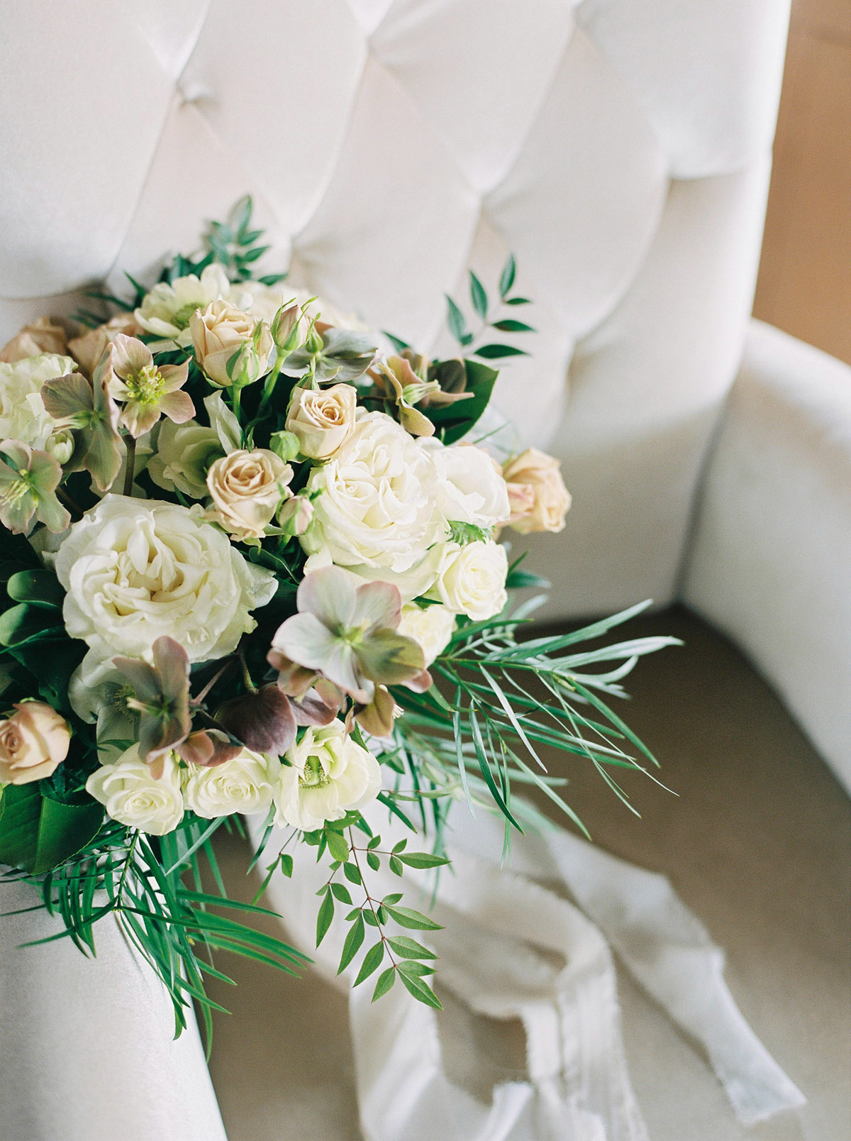 will-reid-photo-vineyard-bride-swish-list-kurtz-orchards-market-niagara-on-the-lake-wedding-editorial-44.jpg