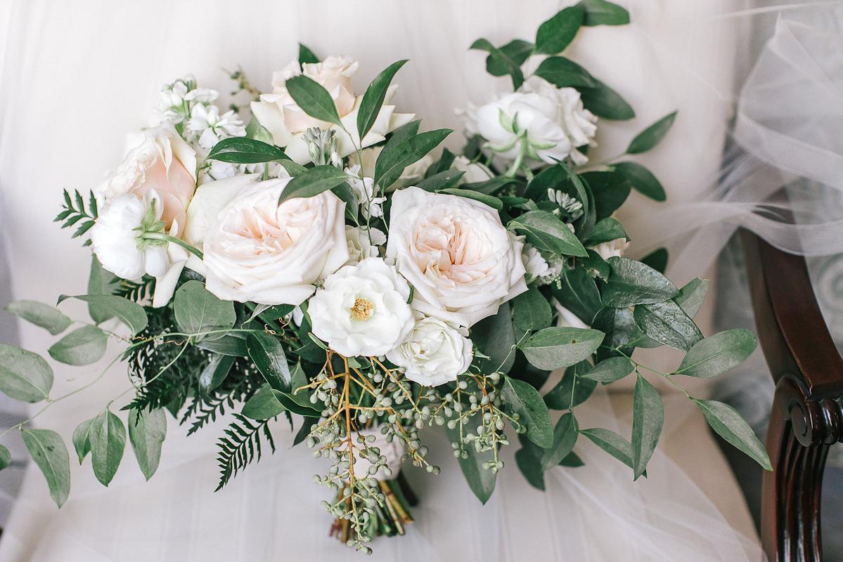 tamara-lockwood-photography-vineyard-bride-swish-list-the-old-courthouse-niagara-on-the-lake-wedding-6.jpg