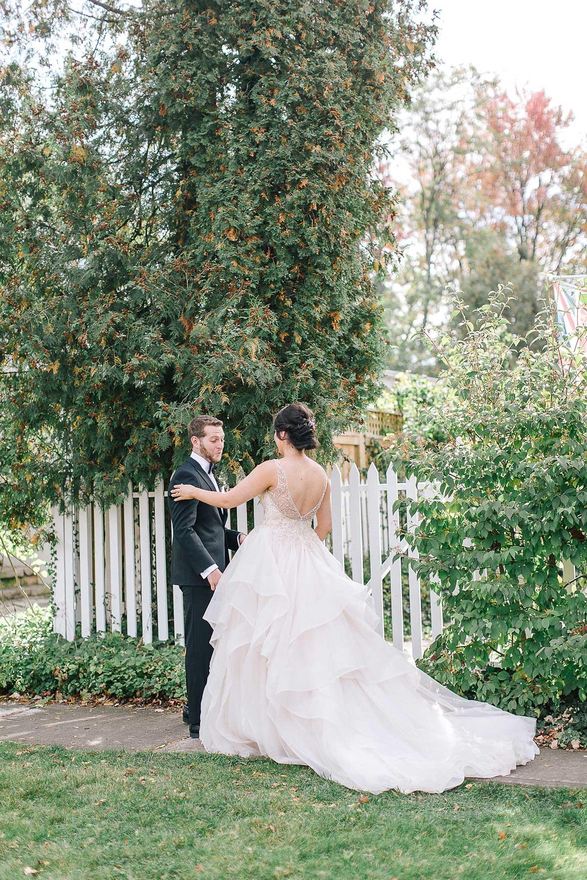 tamara-lockwood-photography-vineyard-bride-swish-list-the-old-courthouse-niagara-on-the-lake-wedding-18.jpg