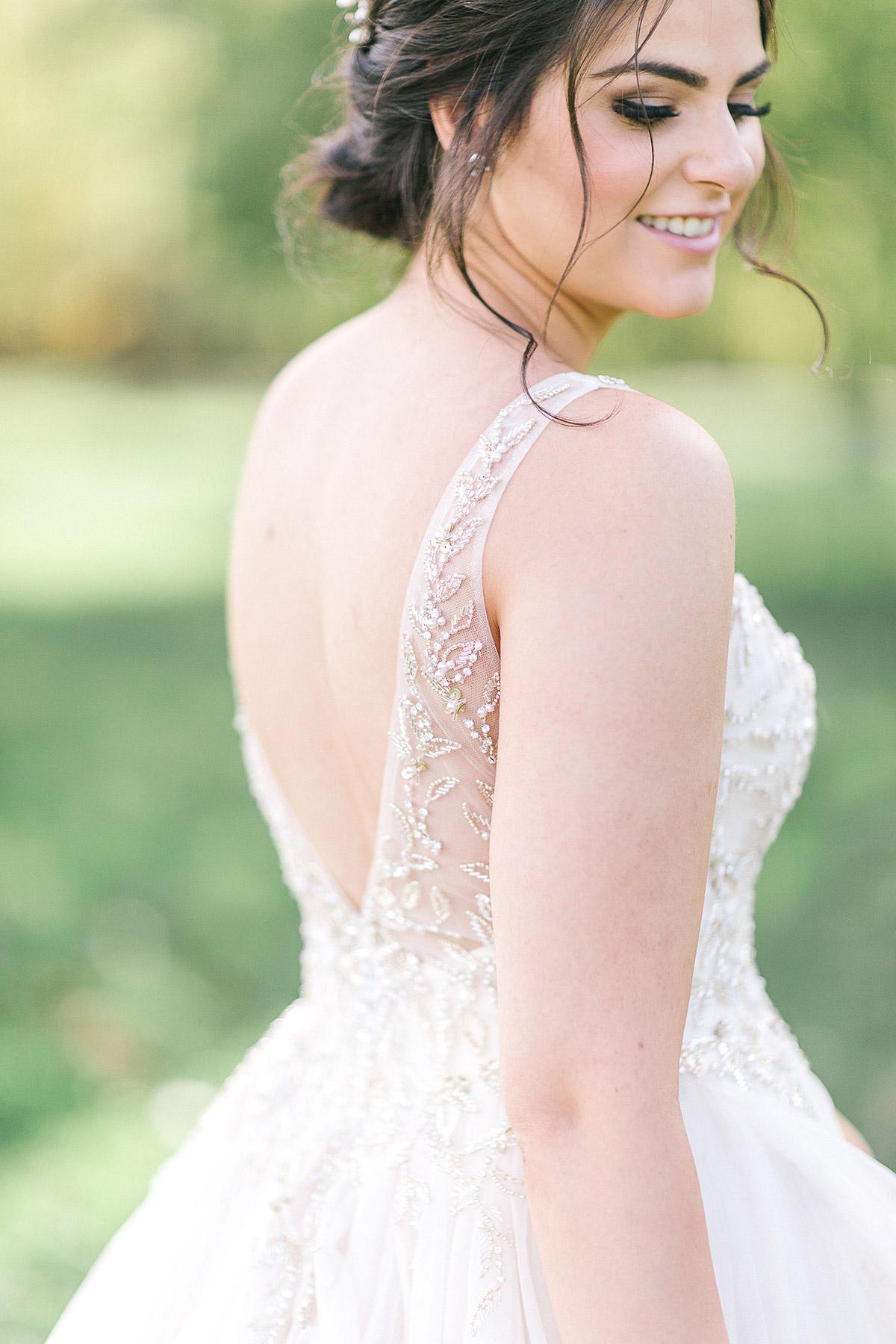 tamara-lockwood-photography-vineyard-bride-swish-list-the-old-courthouse-niagara-on-the-lake-wedding-27.jpg