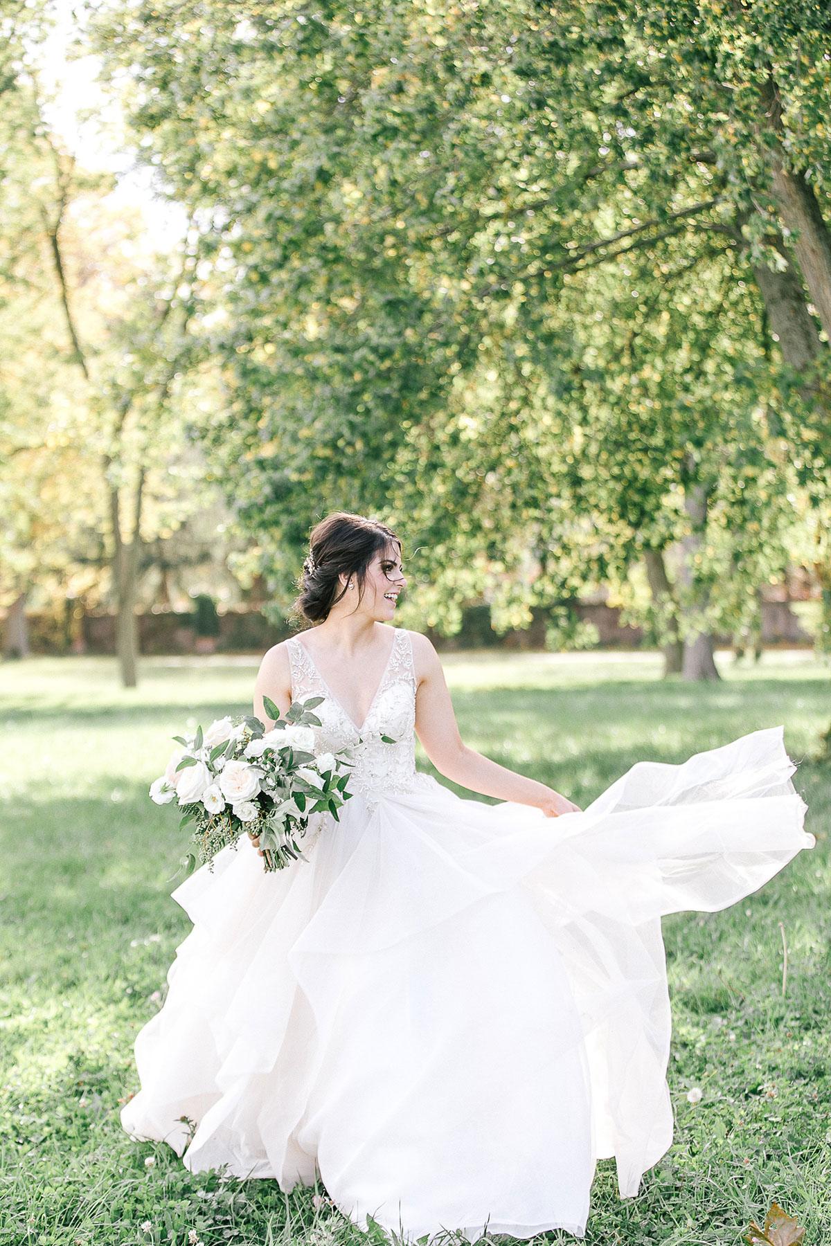 tamara-lockwood-photography-vineyard-bride-swish-list-the-old-courthouse-niagara-on-the-lake-wedding-29.jpg