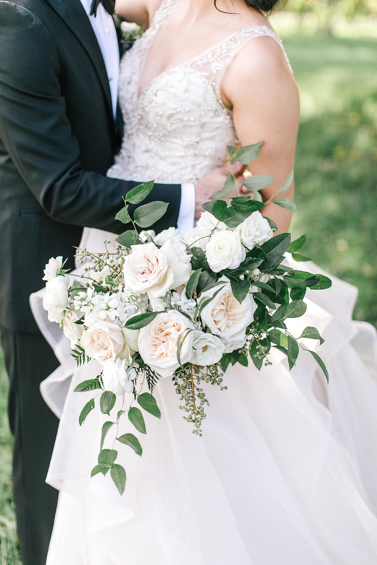 tamara-lockwood-photography-vineyard-bride-swish-list-the-old-courthouse-niagara-on-the-lake-wedding-32.jpg