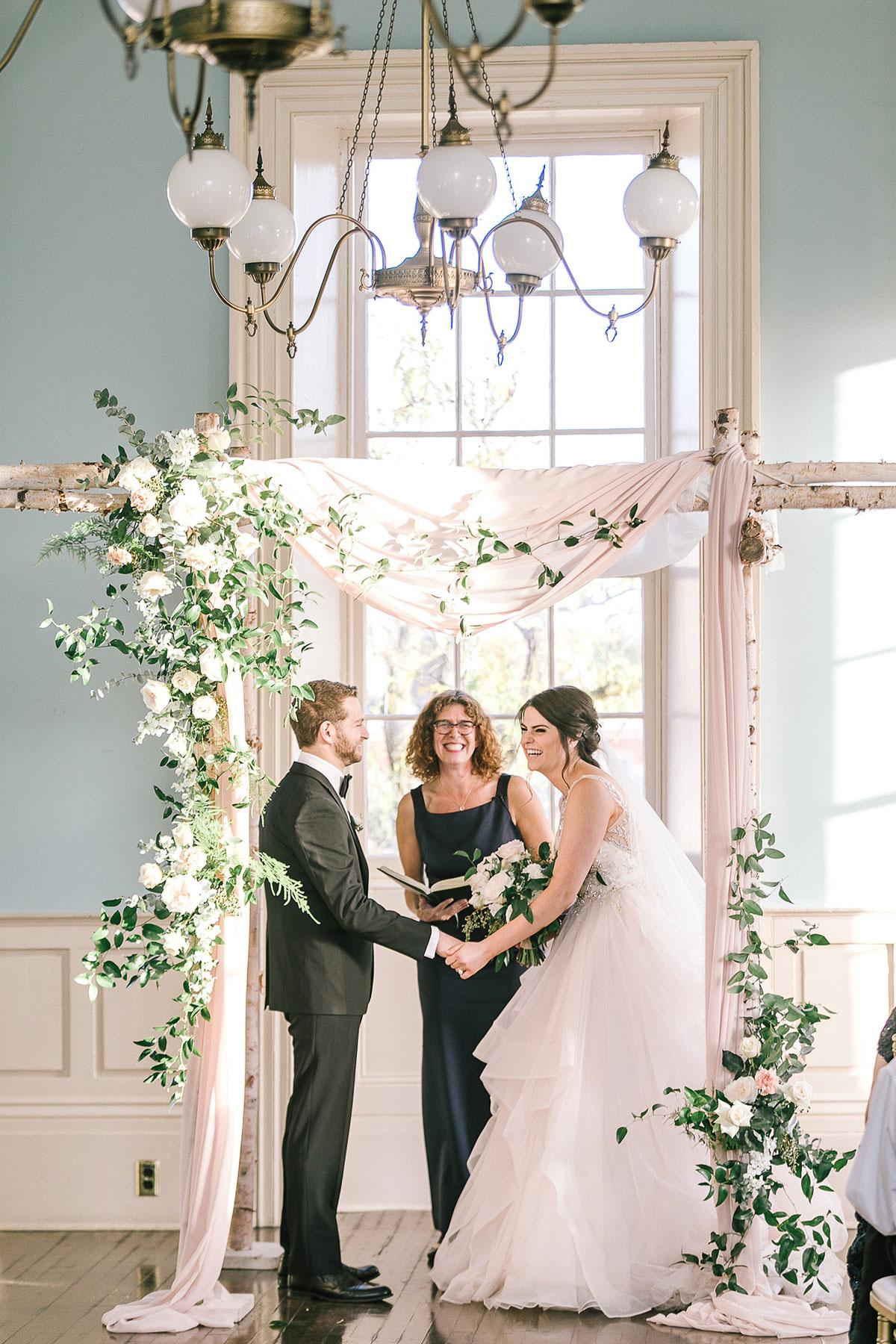 tamara-lockwood-photography-vineyard-bride-swish-list-the-old-courthouse-niagara-on-the-lake-wedding-54.jpg
