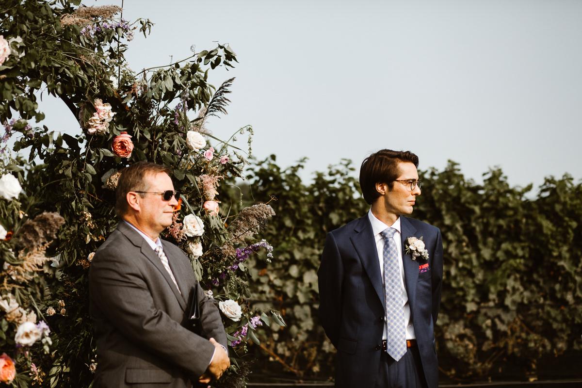 reed-photography-vineyard-bride-swish-list-ravine-vineyard-niagara-on-the-lake-wedding-35.jpg