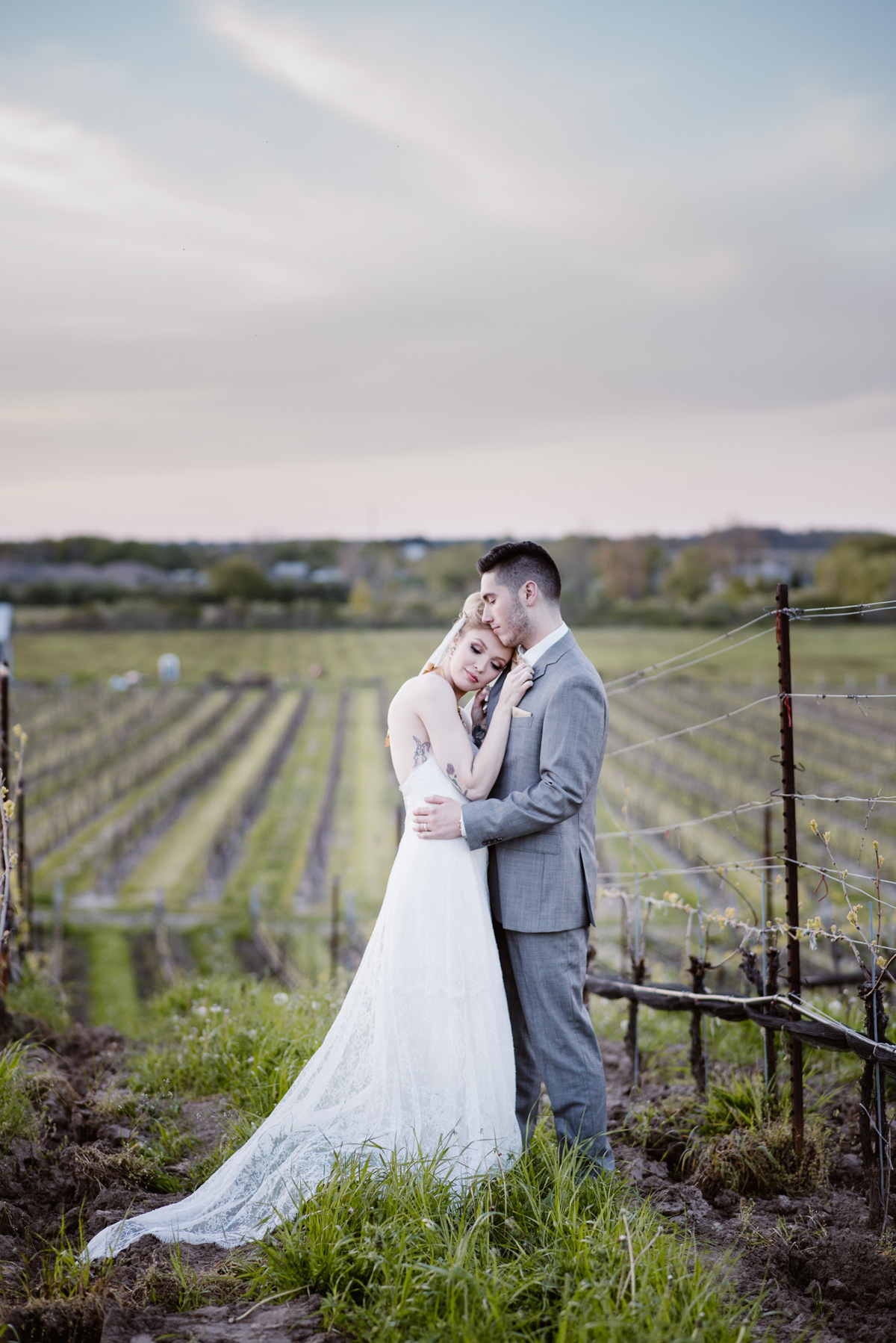 khristel-studios-vineyard-bride-swish-list-ravine-vineyard-niagara-on-the-lake-wedding-editorial-38.jpg
