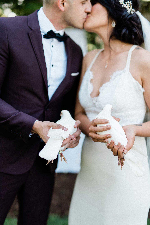 destiny-dawn-photography-vineyard-bride-swish-list-knollwood-golf-and-country-club-ancaster-wedding-editorial-1.jpg