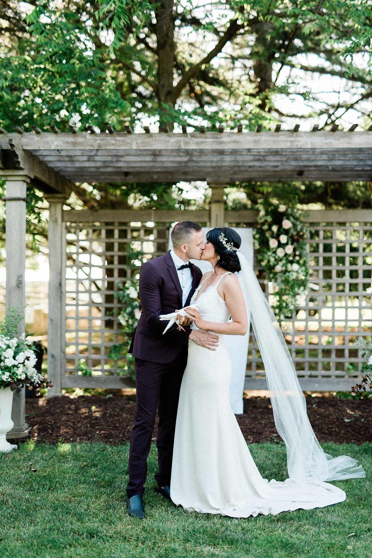 destiny-dawn-photography-vineyard-bride-swish-list-knollwood-golf-and-country-club-ancaster-wedding-editorial-5.jpg