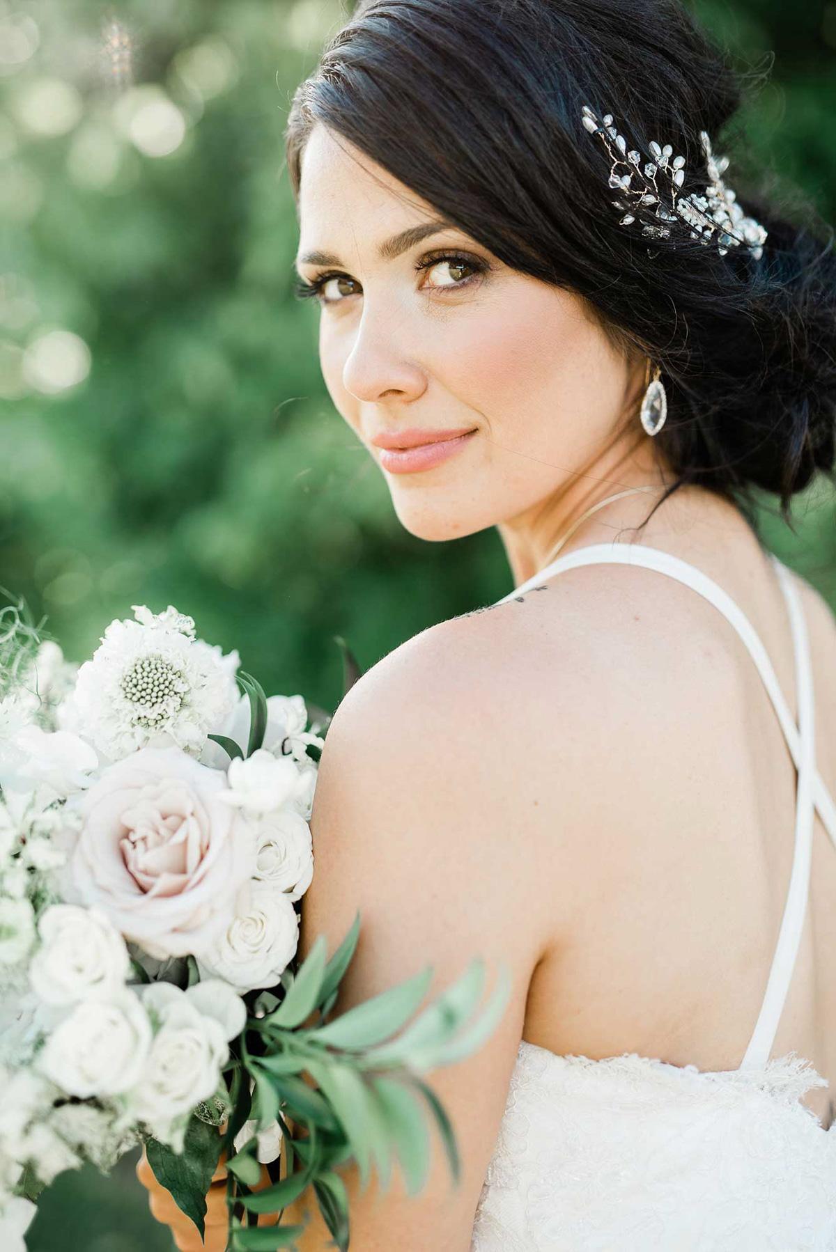 destiny-dawn-photography-vineyard-bride-swish-list-knollwood-golf-and-country-club-ancaster-wedding-editorial-22.jpg
