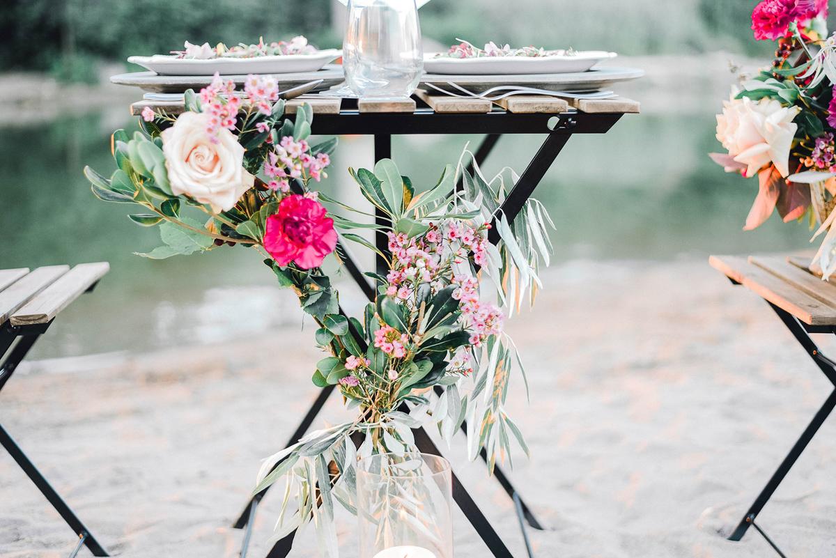 verveine-studios-vineyard-bride-swish-list-rouge-beach-park-scarborough-wedding-editorial-11.jpg