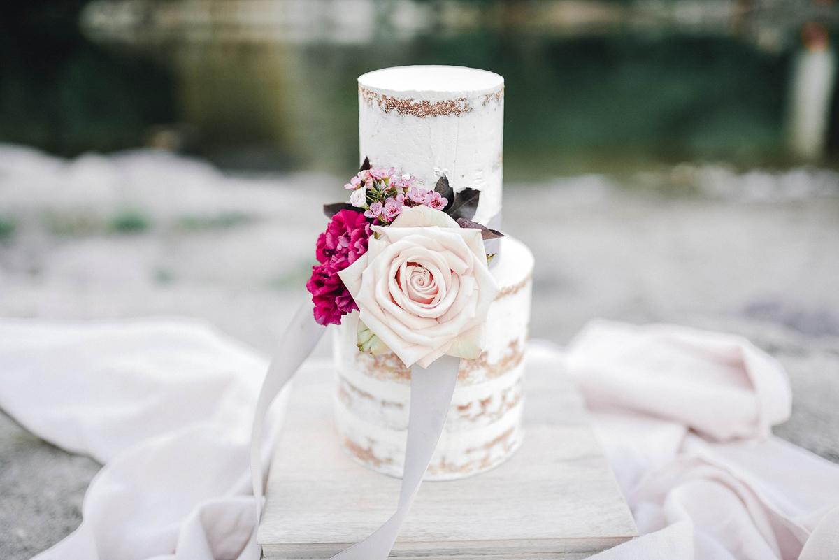 verveine-studios-vineyard-bride-swish-list-rouge-beach-park-scarborough-wedding-editorial-15.jpg