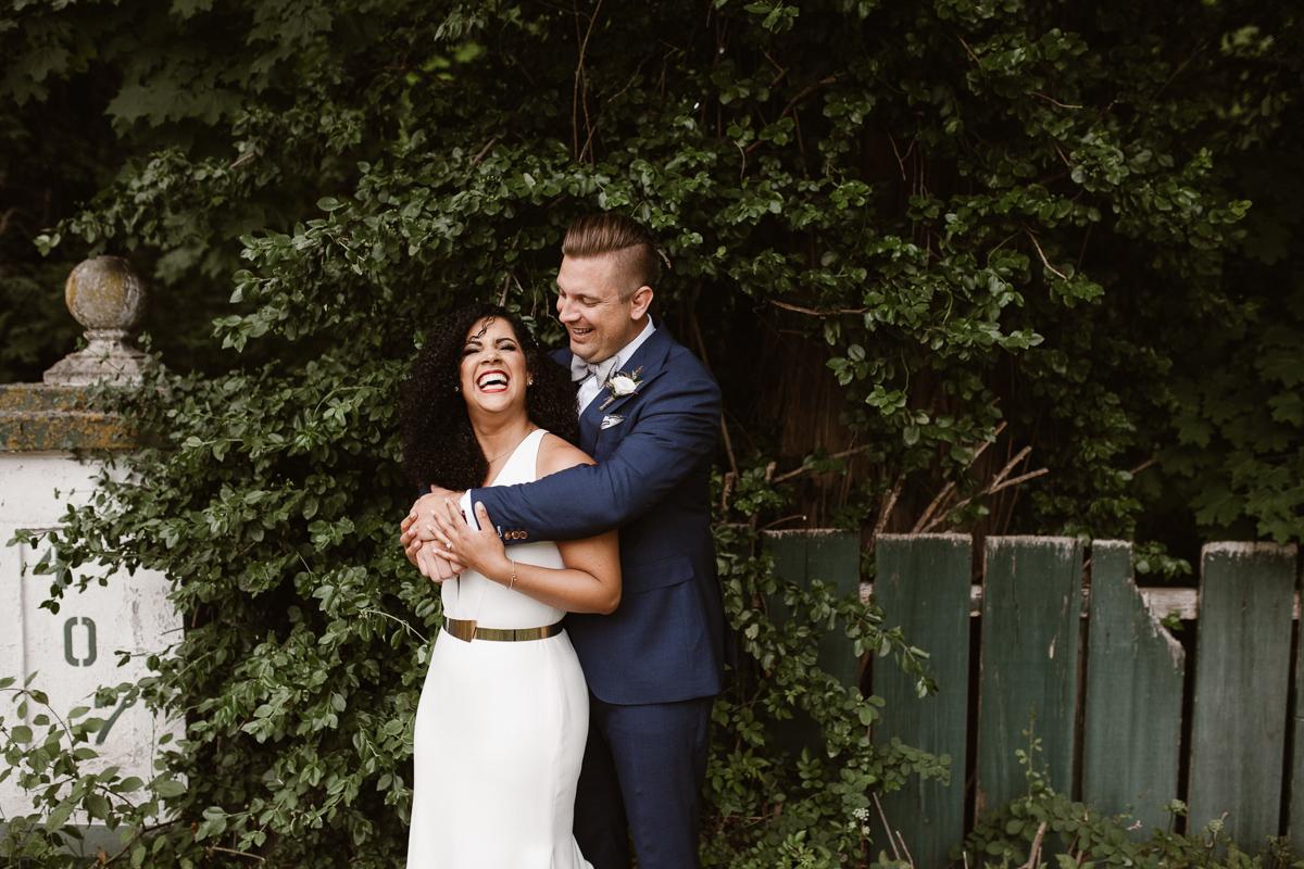 reed-photography-vineyard-bride-swish-list-stratus-winery-niagara-on-the-lake-wedding-25.jpg