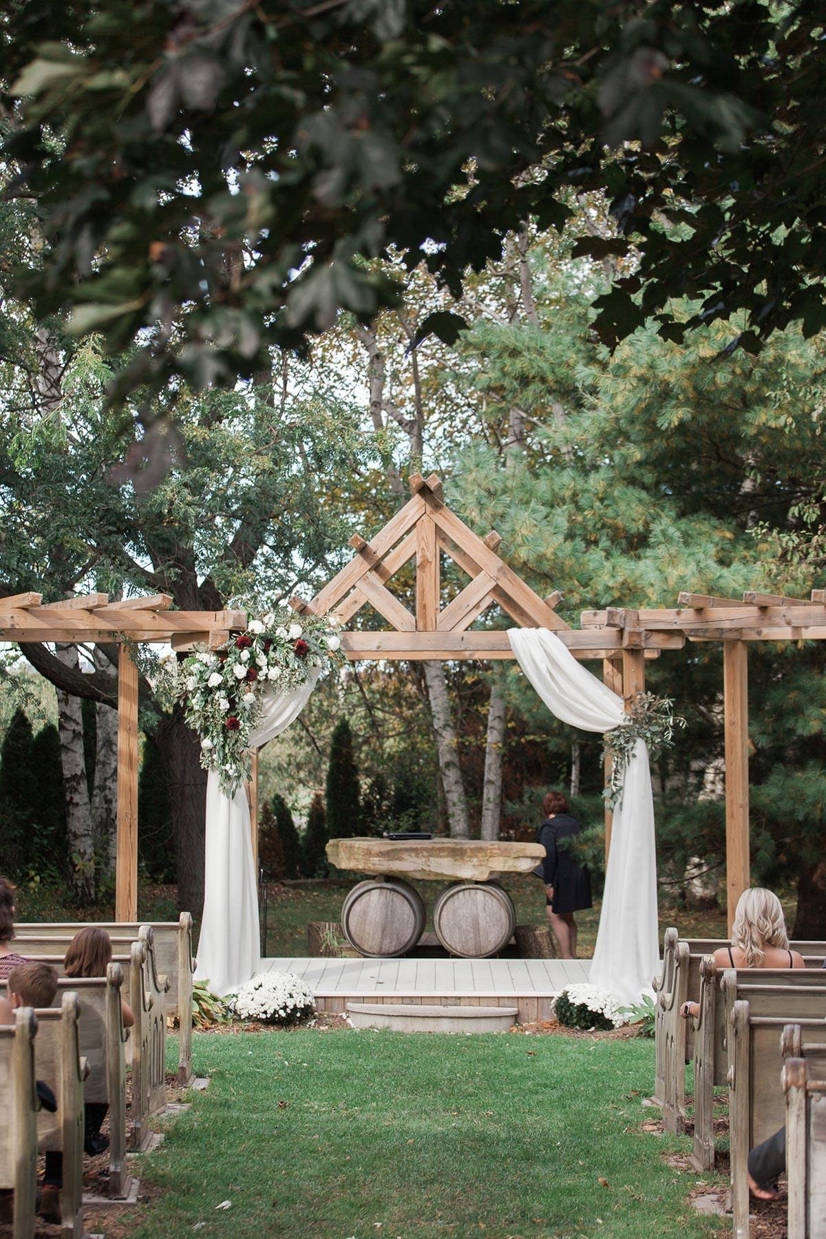 gemini-photography-vineyard-bride-swish-list-honsberger-estates-jordan-wedding-25.jpg