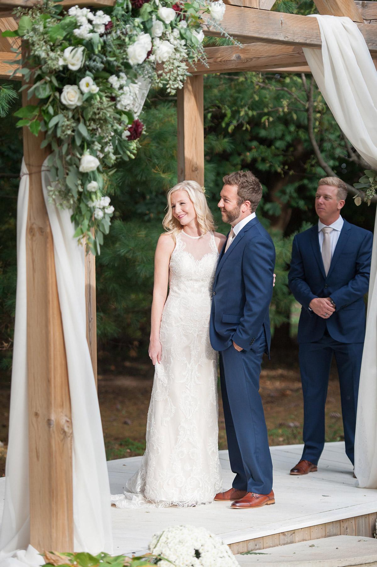 gemini-photography-vineyard-bride-swish-list-honsberger-estates-jordan-wedding-28.jpg
