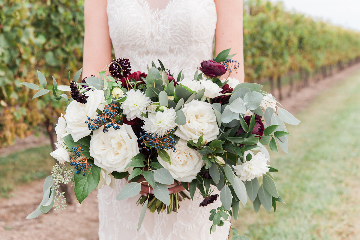 gemini-photography-vineyard-bride-swish-list-honsberger-estates-jordan-wedding-31.jpg