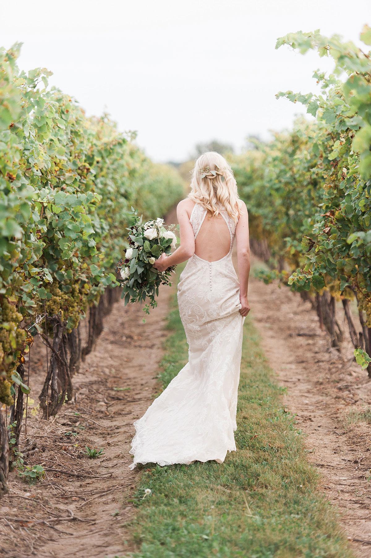 gemini-photography-vineyard-bride-swish-list-honsberger-estates-jordan-wedding-35.jpg