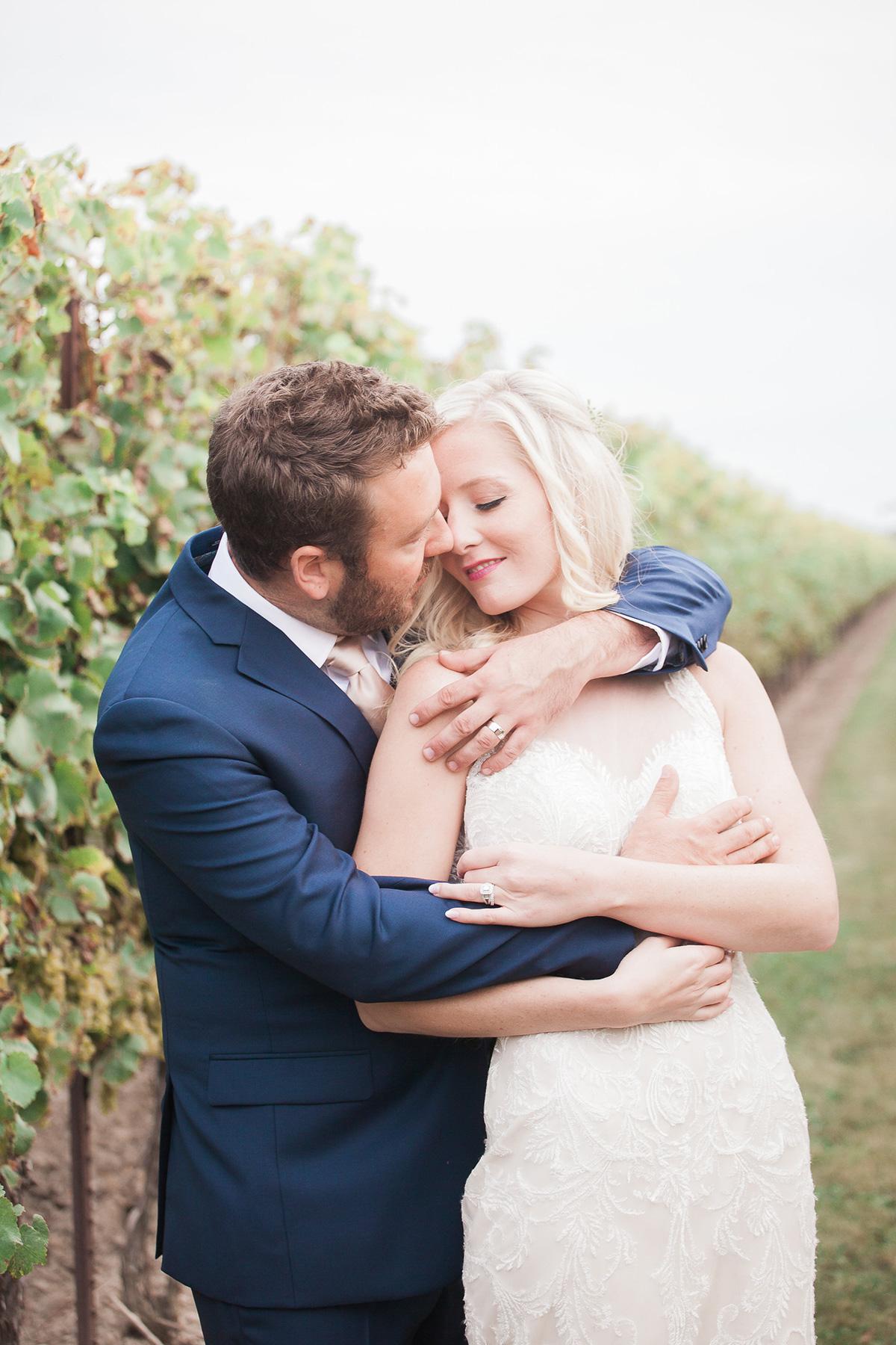 gemini-photography-vineyard-bride-swish-list-honsberger-estates-jordan-wedding-38.jpg