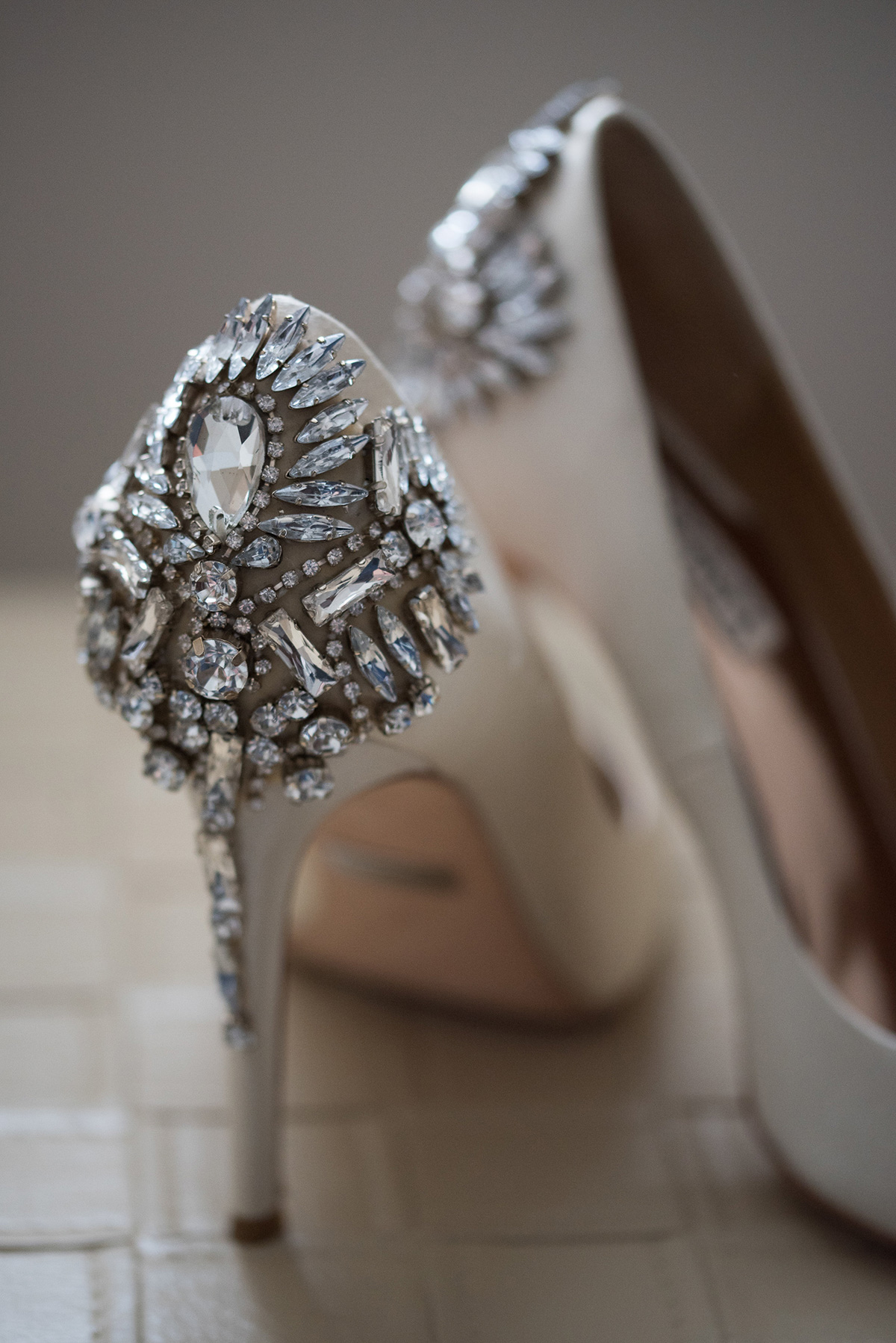 sounds-like-yellow-photography-vineyard-bride-swish-list-winona-vine-estates-winona-wedding-1.jpg