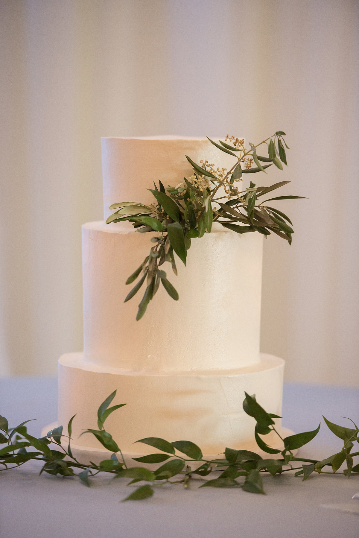 sounds-like-yellow-photography-vineyard-bride-swish-list-winona-vine-estates-winona-wedding-28.jpg