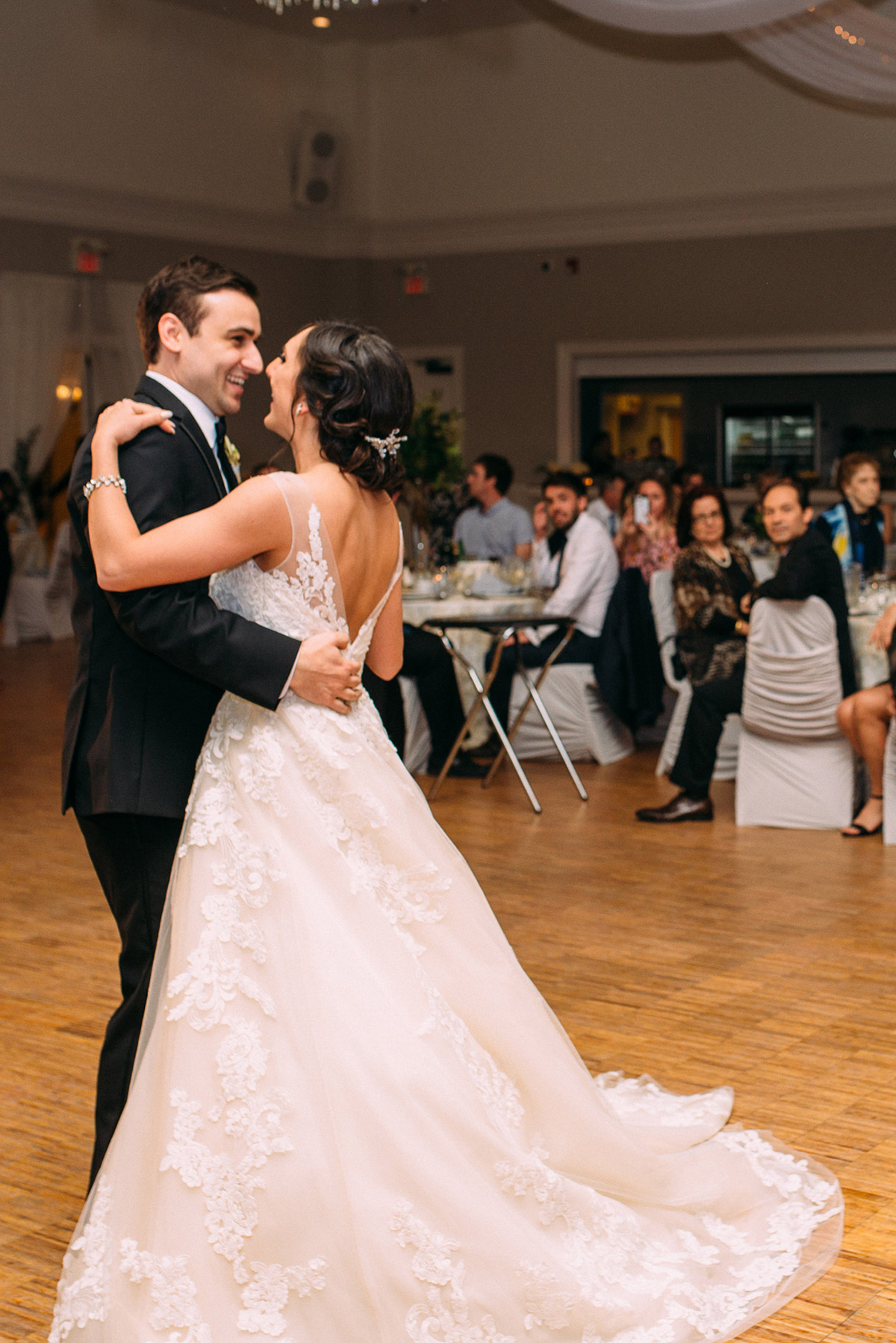 sounds-like-yellow-photography-vineyard-bride-swish-list-winona-vine-estates-winona-wedding-30.jpg
