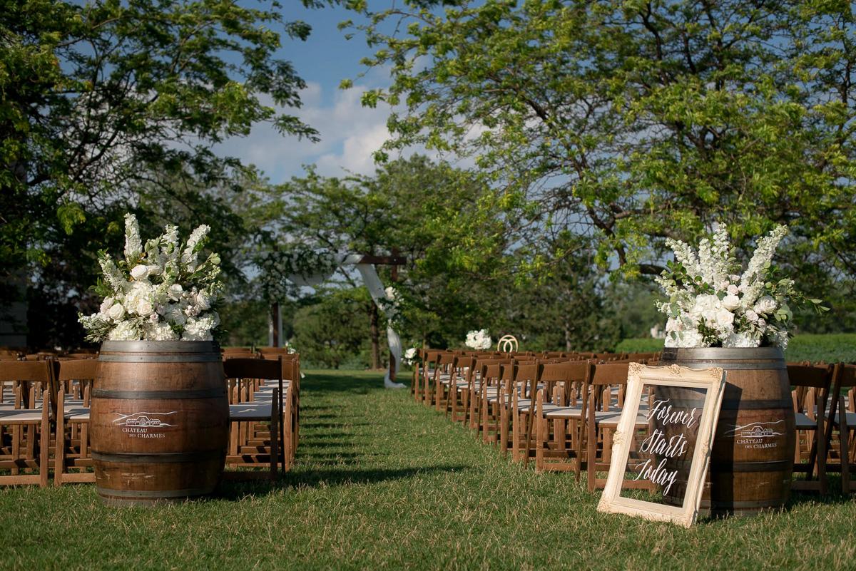 philosophy-studios-vineyard-bride-swish-list-chateau-des-charmes-niagara-on-the-lake-wedding-33.jpg