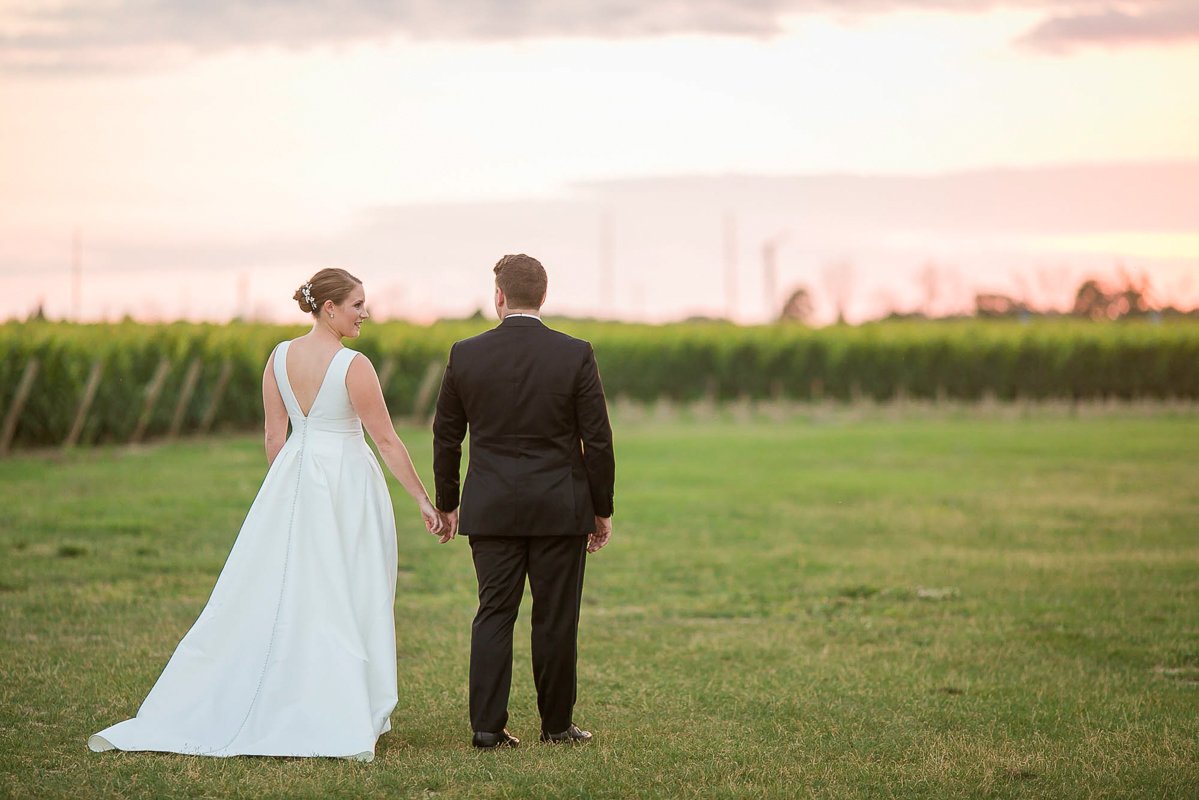 philosophy-studios-vineyard-bride-swish-list-chateau-des-charmes-niagara-on-the-lake-wedding-59.jpg