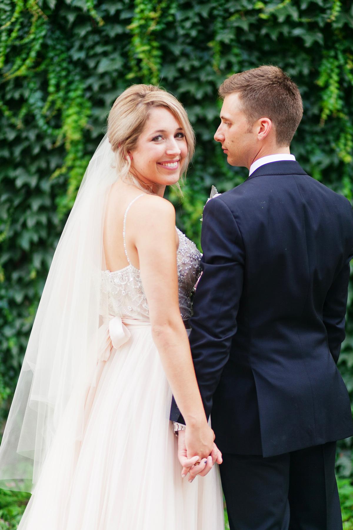 jennifer-xu-photography-vineyard-bride-swish-list-spice-factory-hamilton-wedding-4.jpg