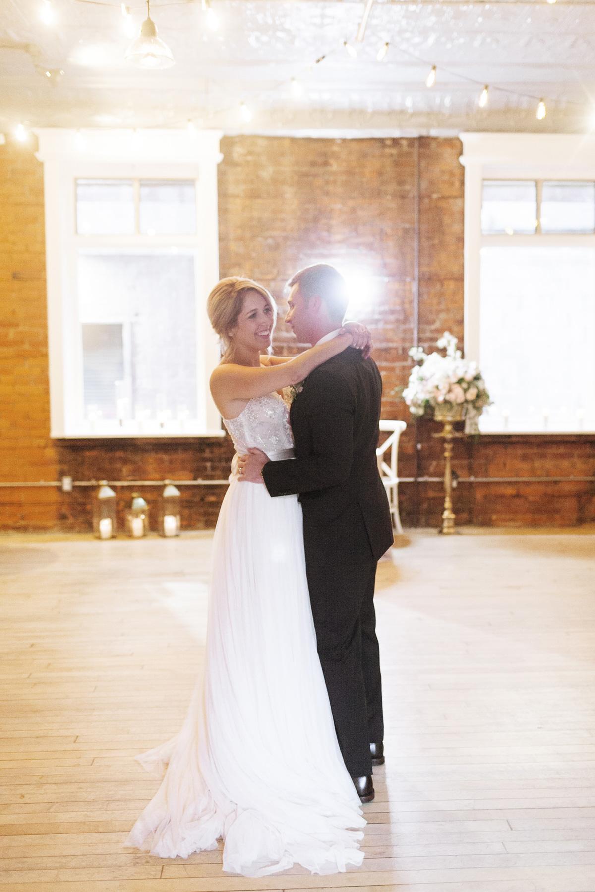 jennifer-xu-photography-vineyard-bride-swish-list-spice-factory-hamilton-wedding-49.jpg