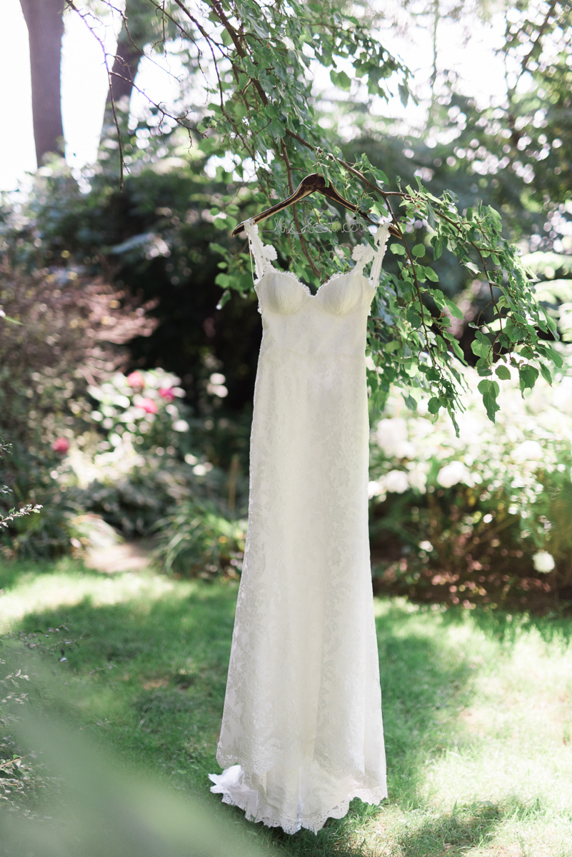 destiny-dawn-photography-vineyard-bride-swish-list-kurtz-orchards-niagara-on-the-lake-wedding-6.jpg